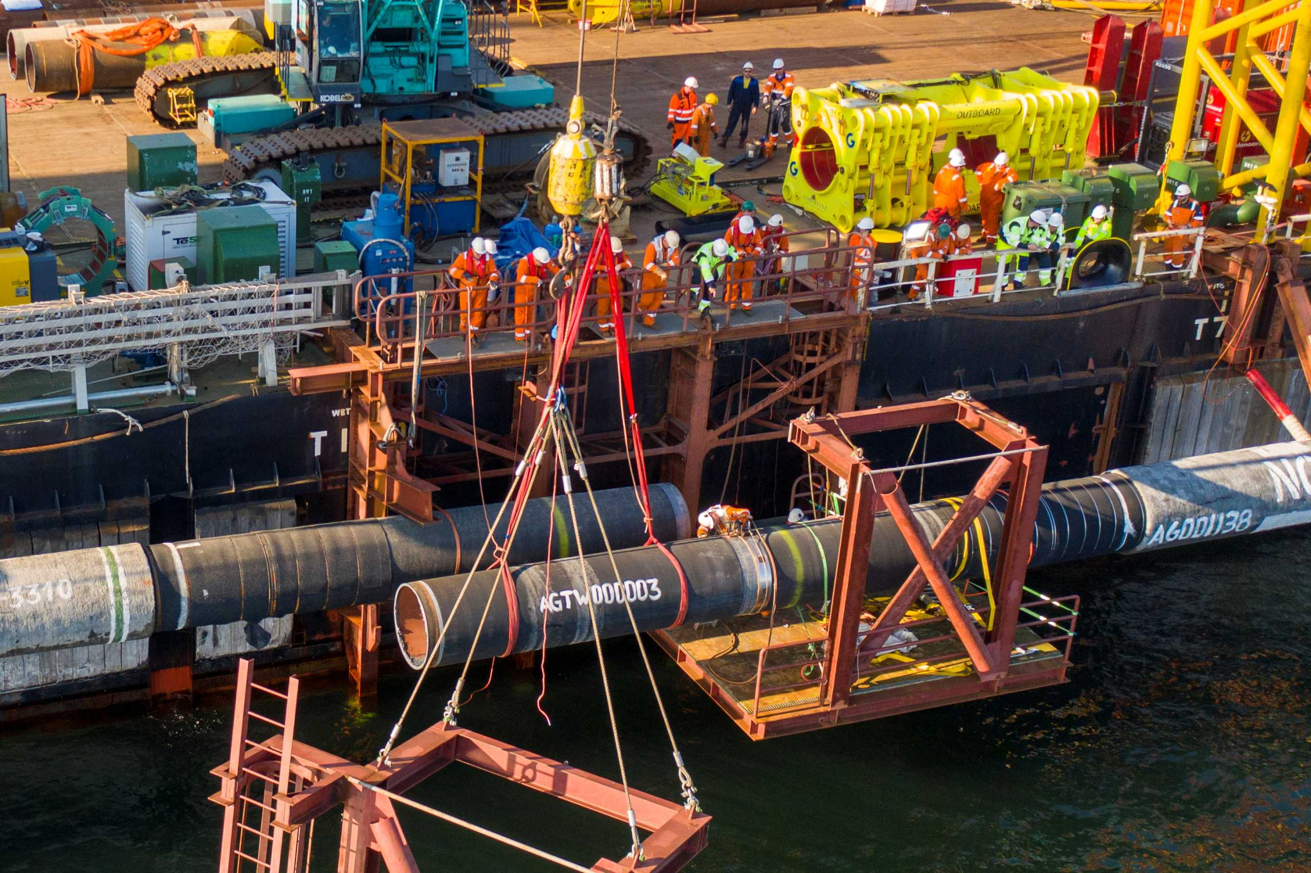 Έτοιμος ο αγωγός Nord Stream 2 για τη μεταφορά αερίου από τη Ρωσία στη Γερμανία – Αντιδρά η Ουκρανία