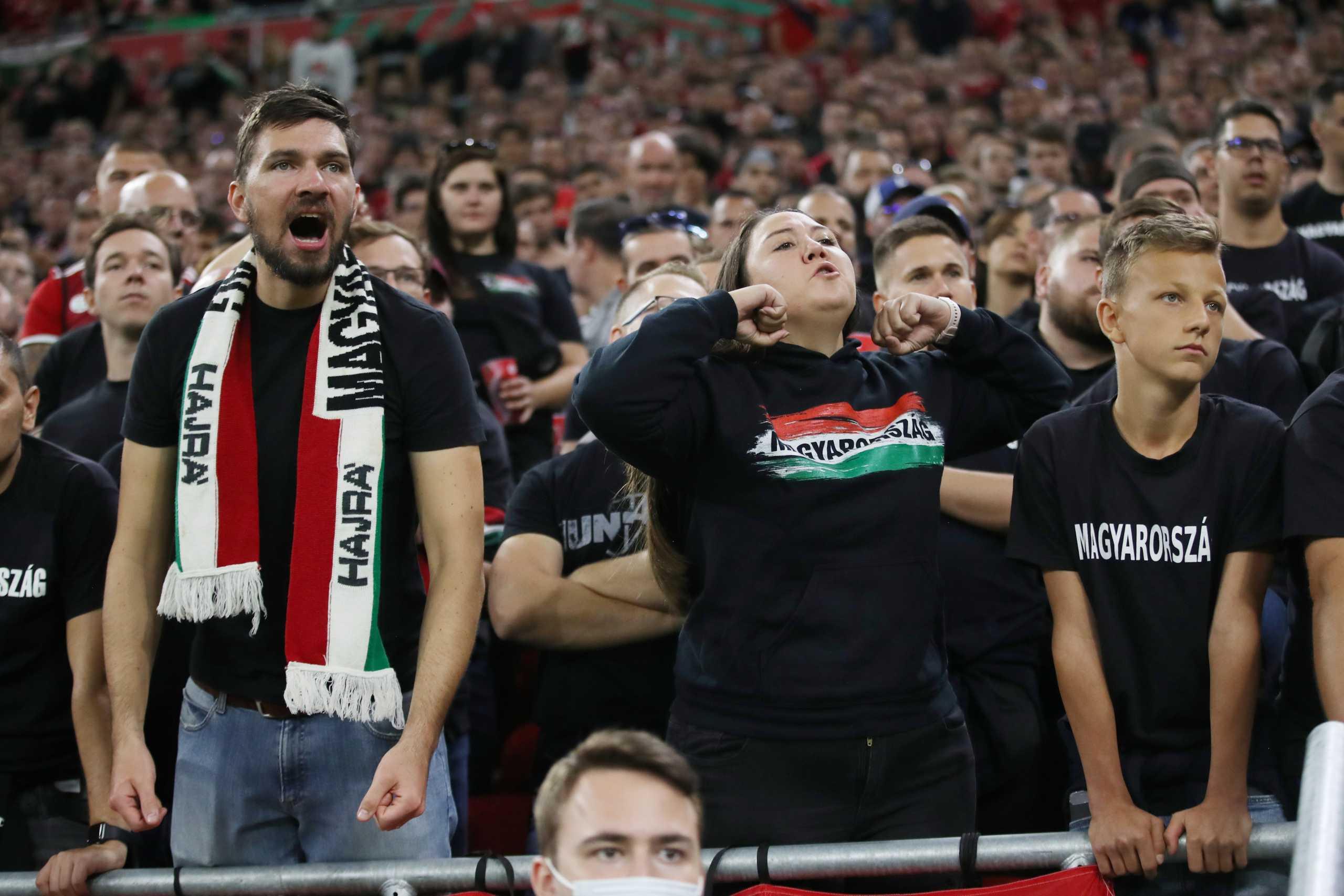 Ουγγαρία – Αγγλία: Παρέμβαση της FIFA ζητά ο Μπόρις Τζόνσον για την ρατσιστική συμπεριφορά των Μαγυάρων