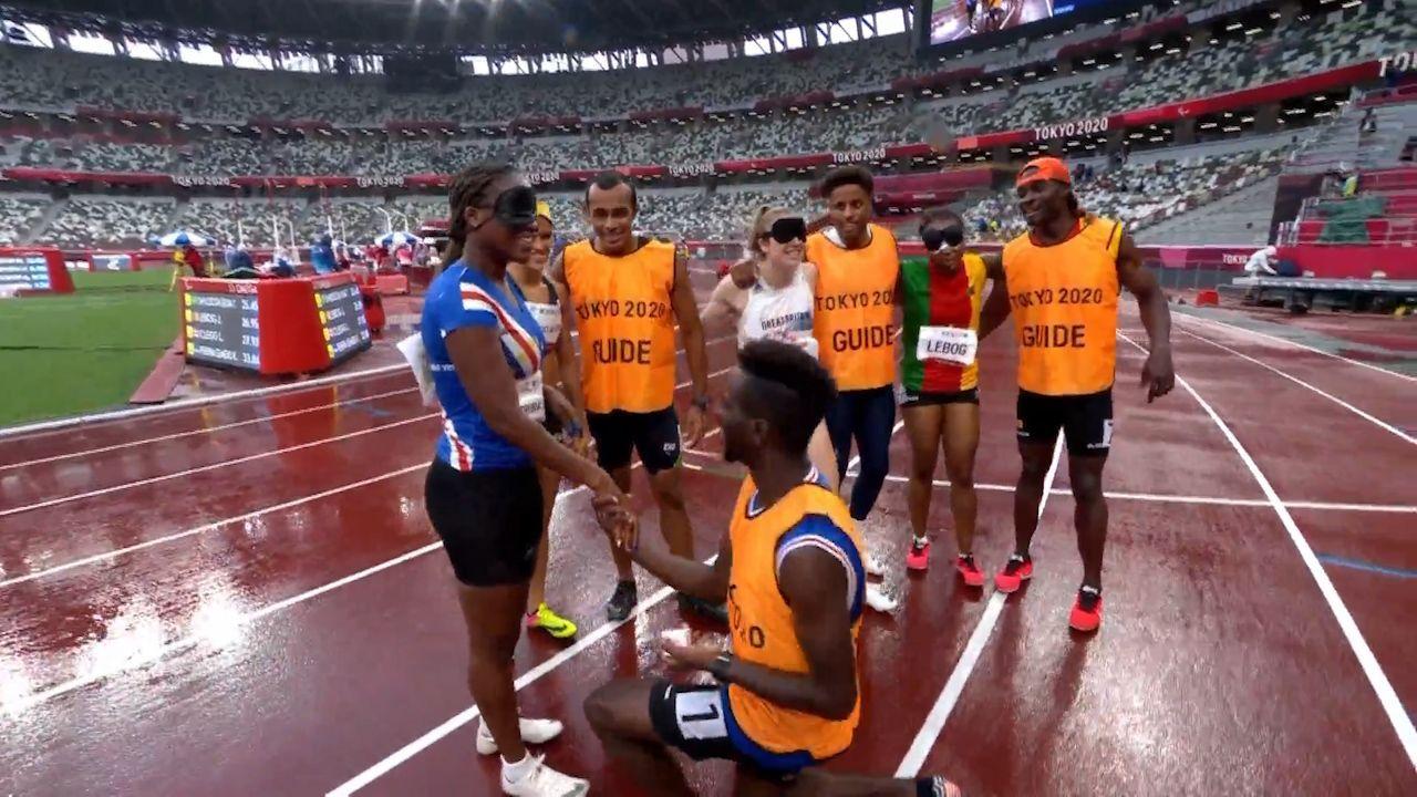 Παραολυμπιακοί Αγώνες: Συγκινητική στιγμή με πρόταση γάμου από συνοδό μετά την κούρσα