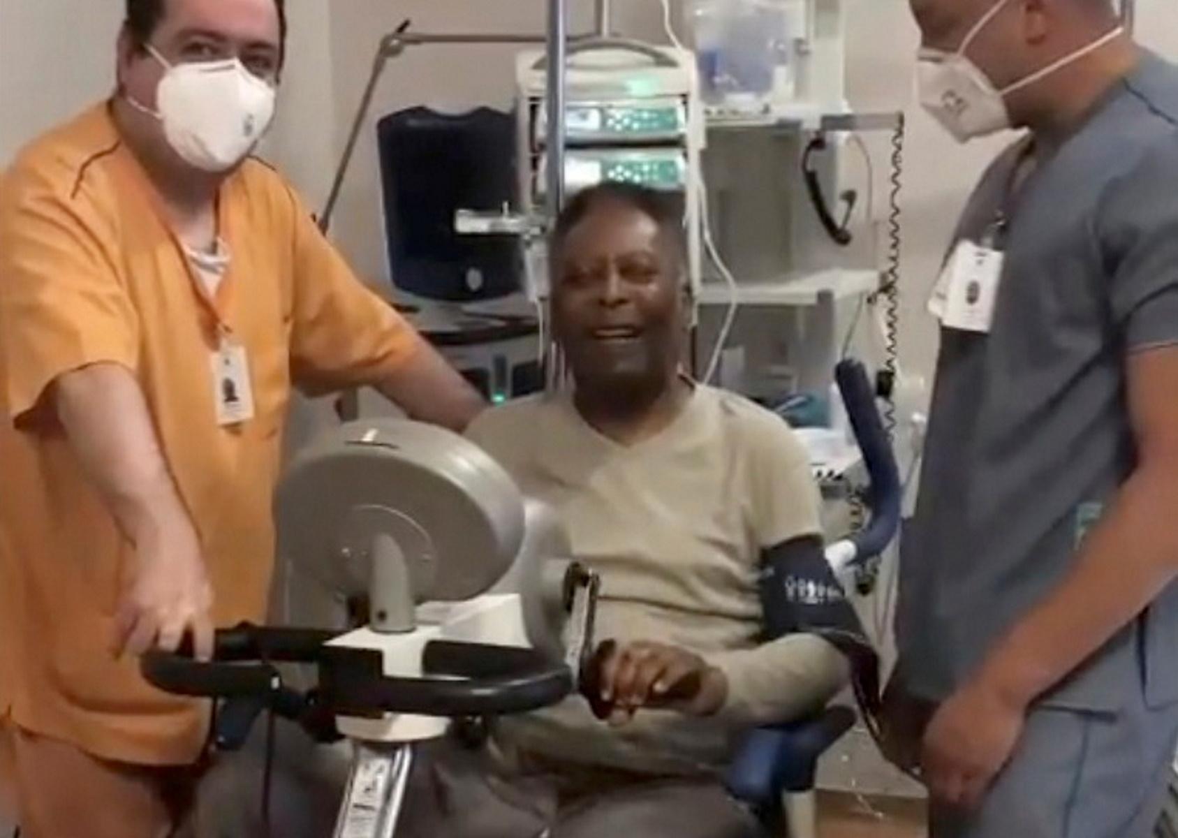 Ο Πελέ βγαίνει από το νοσοκομείο