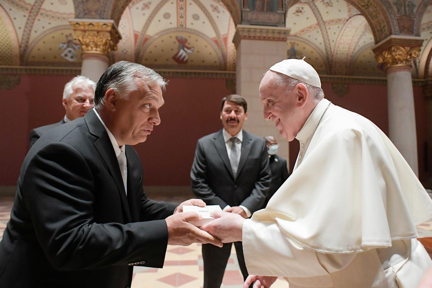 Πάπας Φραγκίσκος – Βίκτορ Όρμπαν: Χάσμα απόψεων στις συνομιλίες της Βουδαπέστης