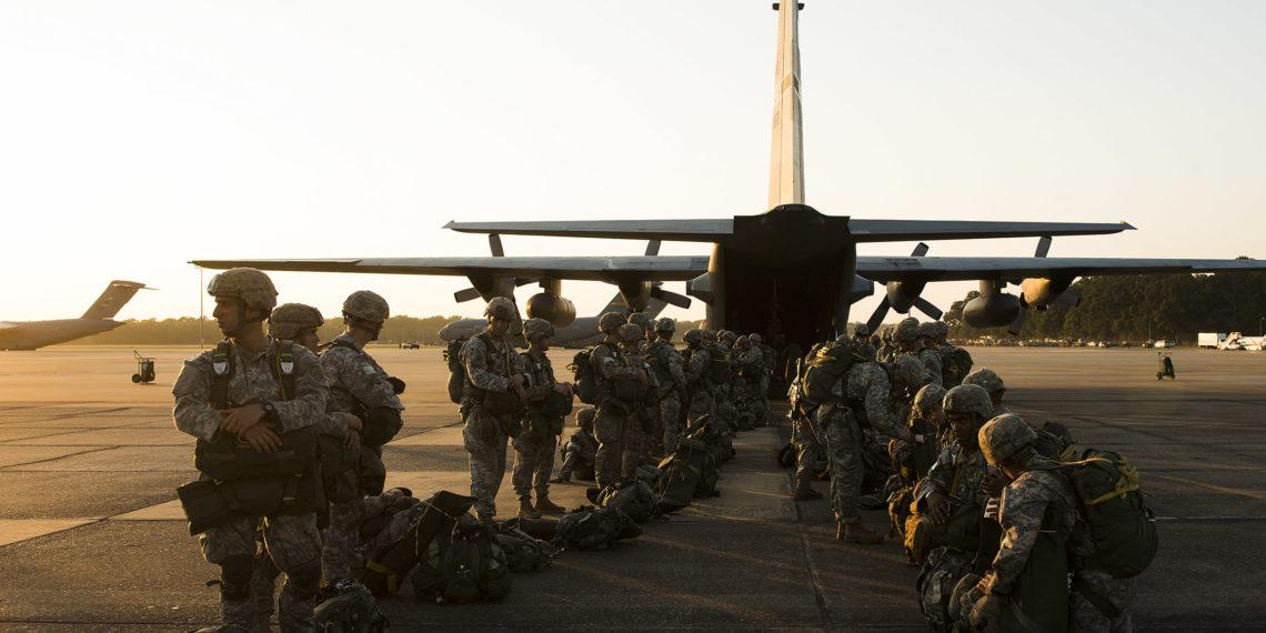 U.S Army: Αλεξιπτωτιστές μεταφέρουν αίμα στο πεδίο της μάχης – Η αλλαγή που θα σώσει ζωές