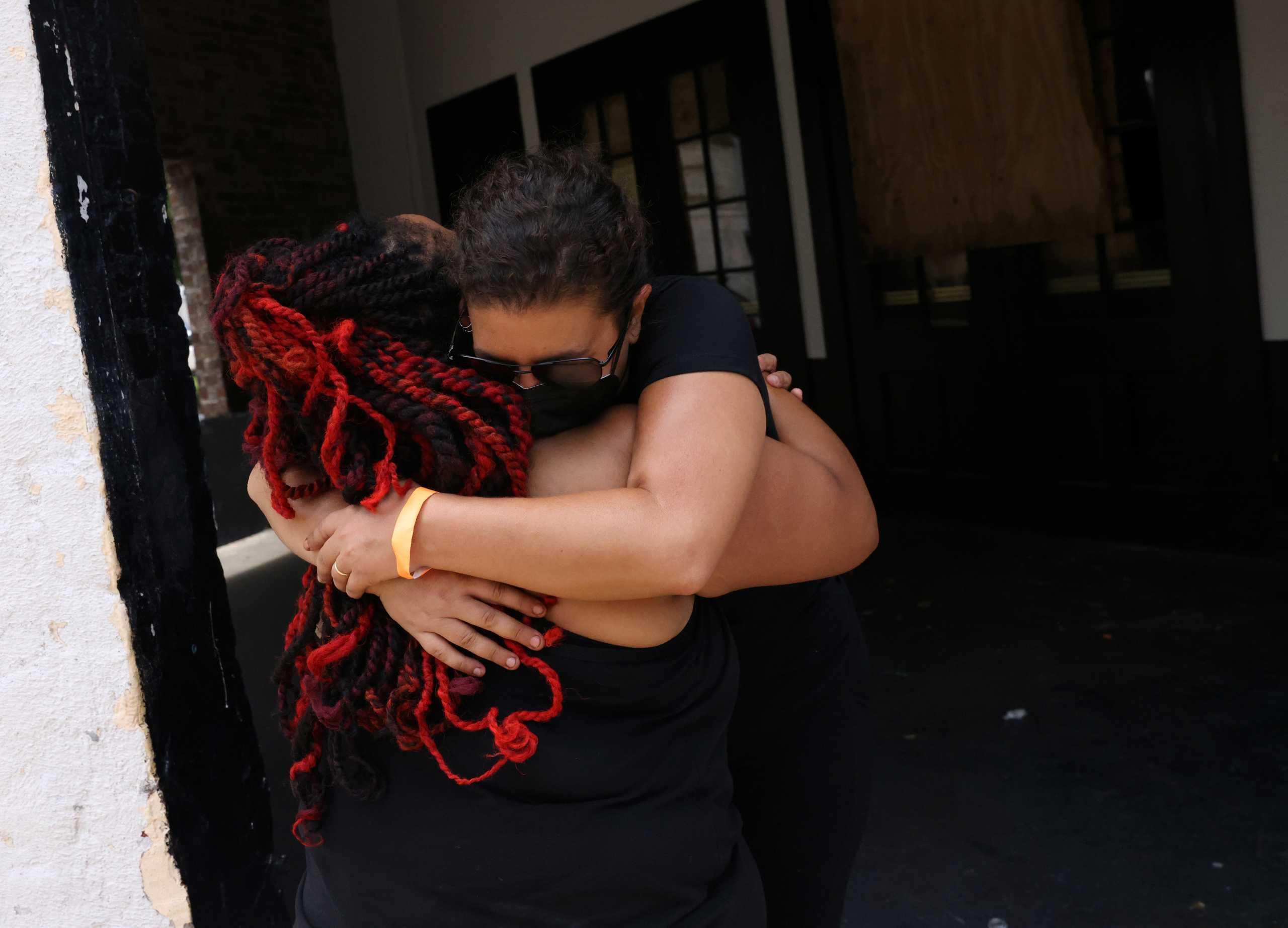 Σαρώνει τις ΗΠΑ ο κυκλώνας Άιντα – 12 οι νεκροί στη Λουιζιάνα και 718.500 νοικοκυριά χωρίς ρεύμα