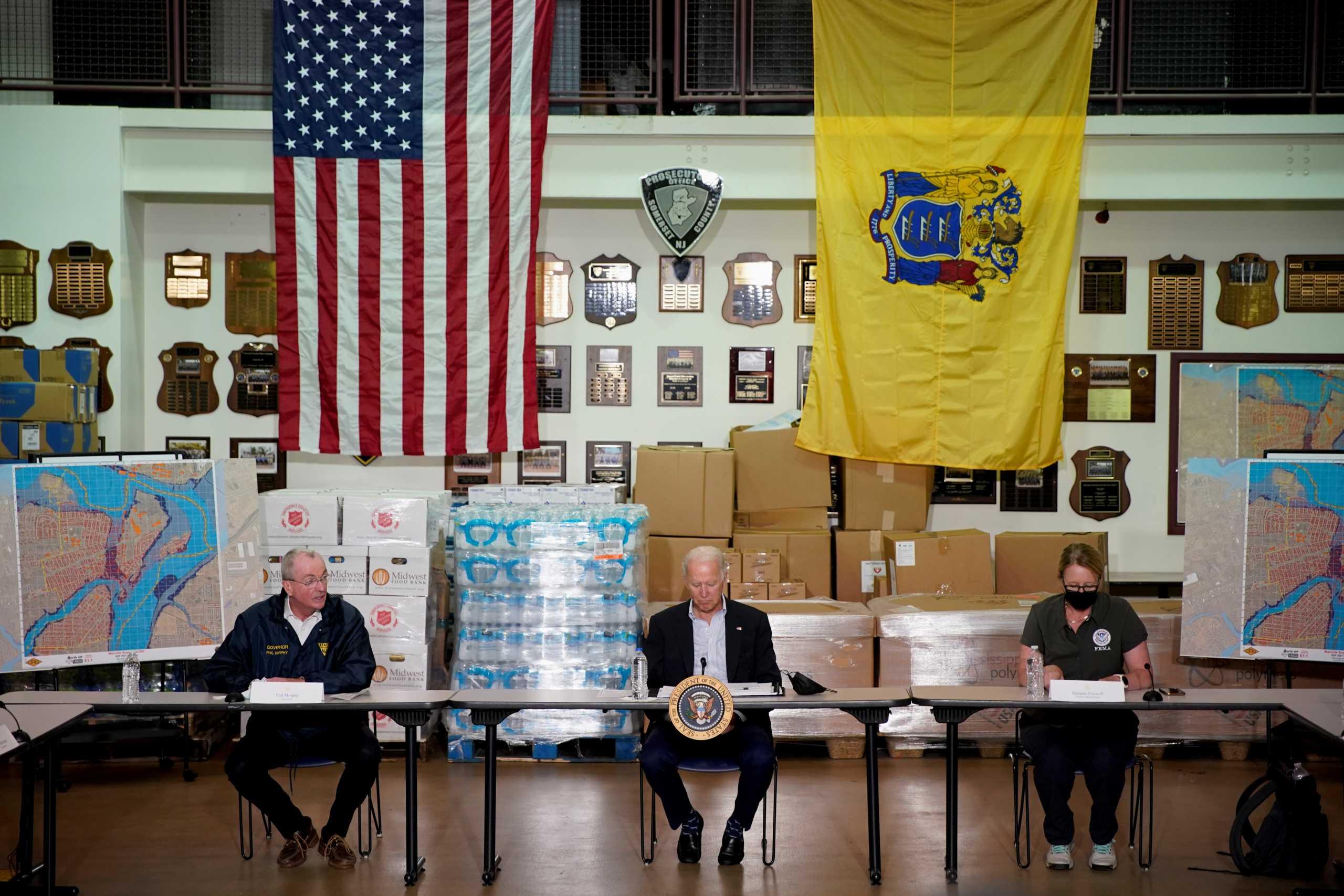Στη Νέα Υόρκη ο Τζο Μπάιντεν μετά τις καταστροφές από την καταιγίδα Άιντα