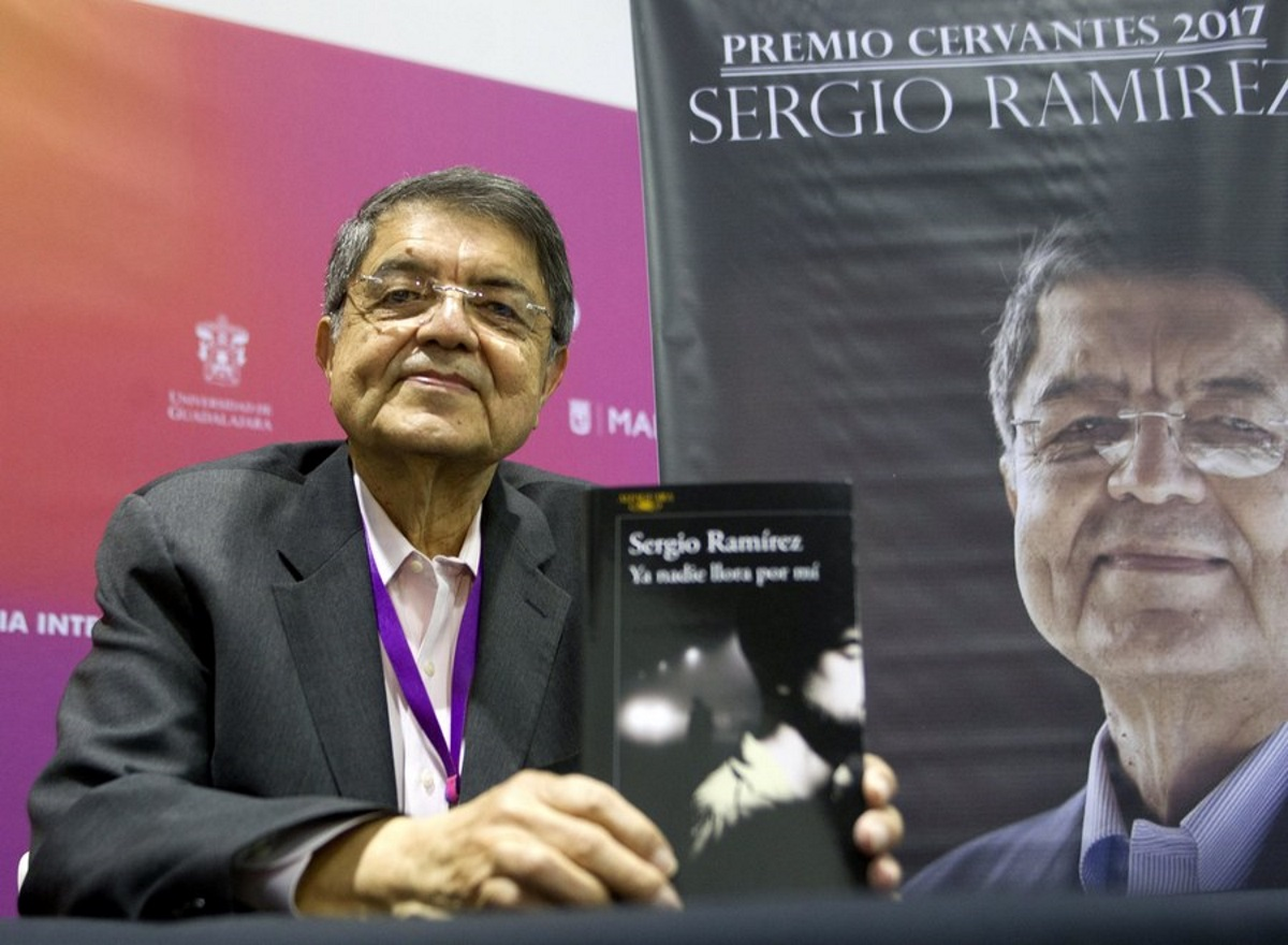 Νικαράγουα: Ένταλμα σύλληψης για τον βραβευμένο συγγραφέα Σέρχιο Ραμίρες – Κατηγορείται για συνωμοσία