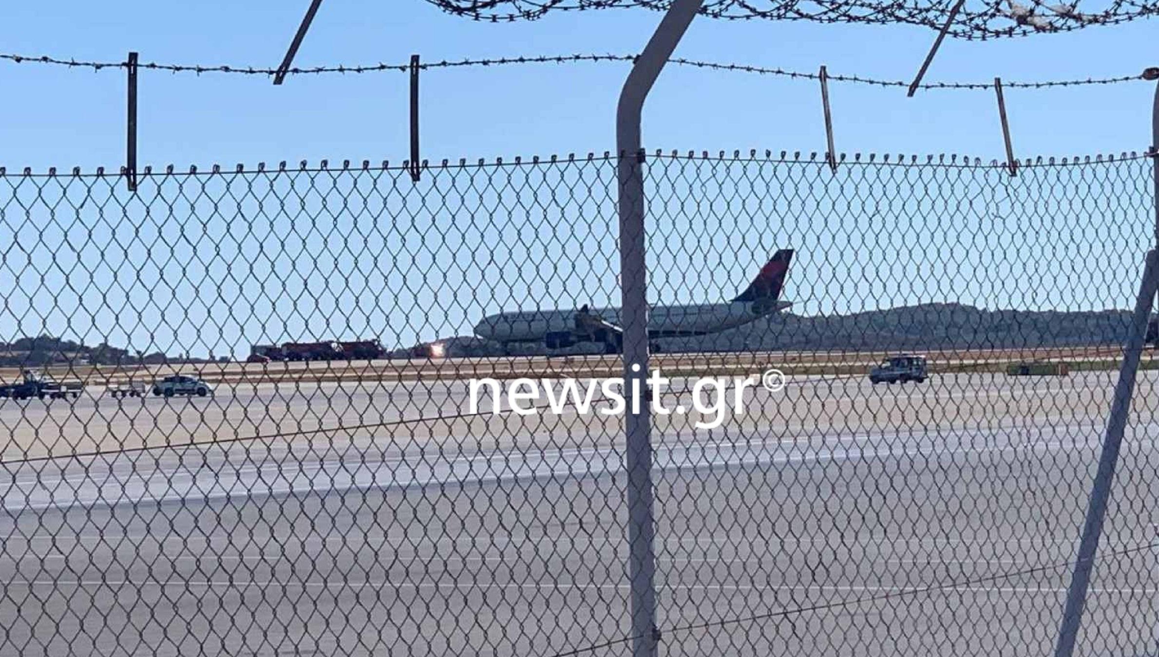 Έκτακτη προσγείωση στο Ελευθέριος Βενιζέλος: Τα πρώτα λόγια επιβατών του αεροπλάνου – «Ανατριχιάσαμε, τρομοκρατηθήκαμε»