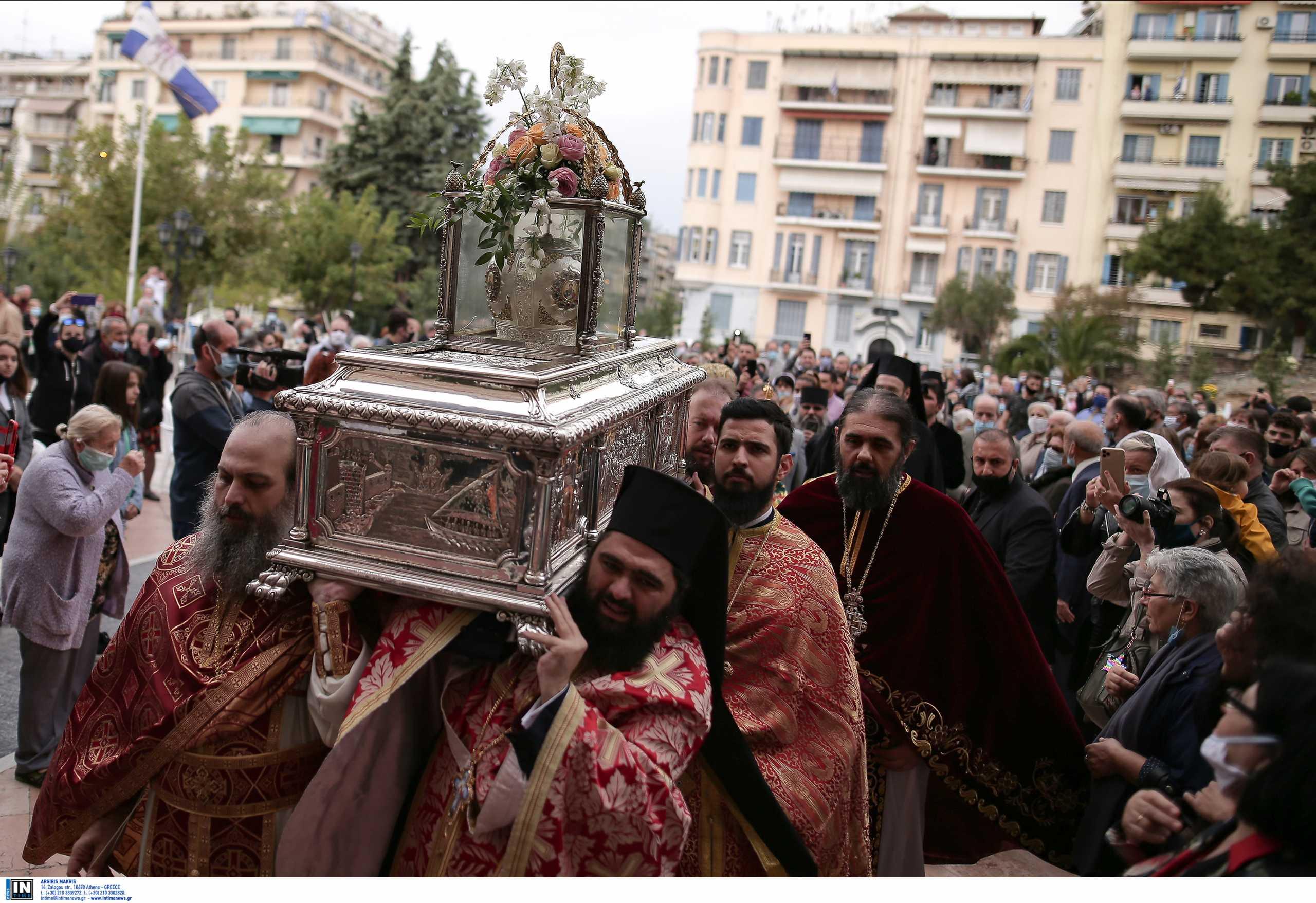 Θεσσαλονίκη: Ένα βήμα πριν το μίνι lockdown – Λύματα και Άγιος Δημήτριος φοβίζουν τους ειδικούς