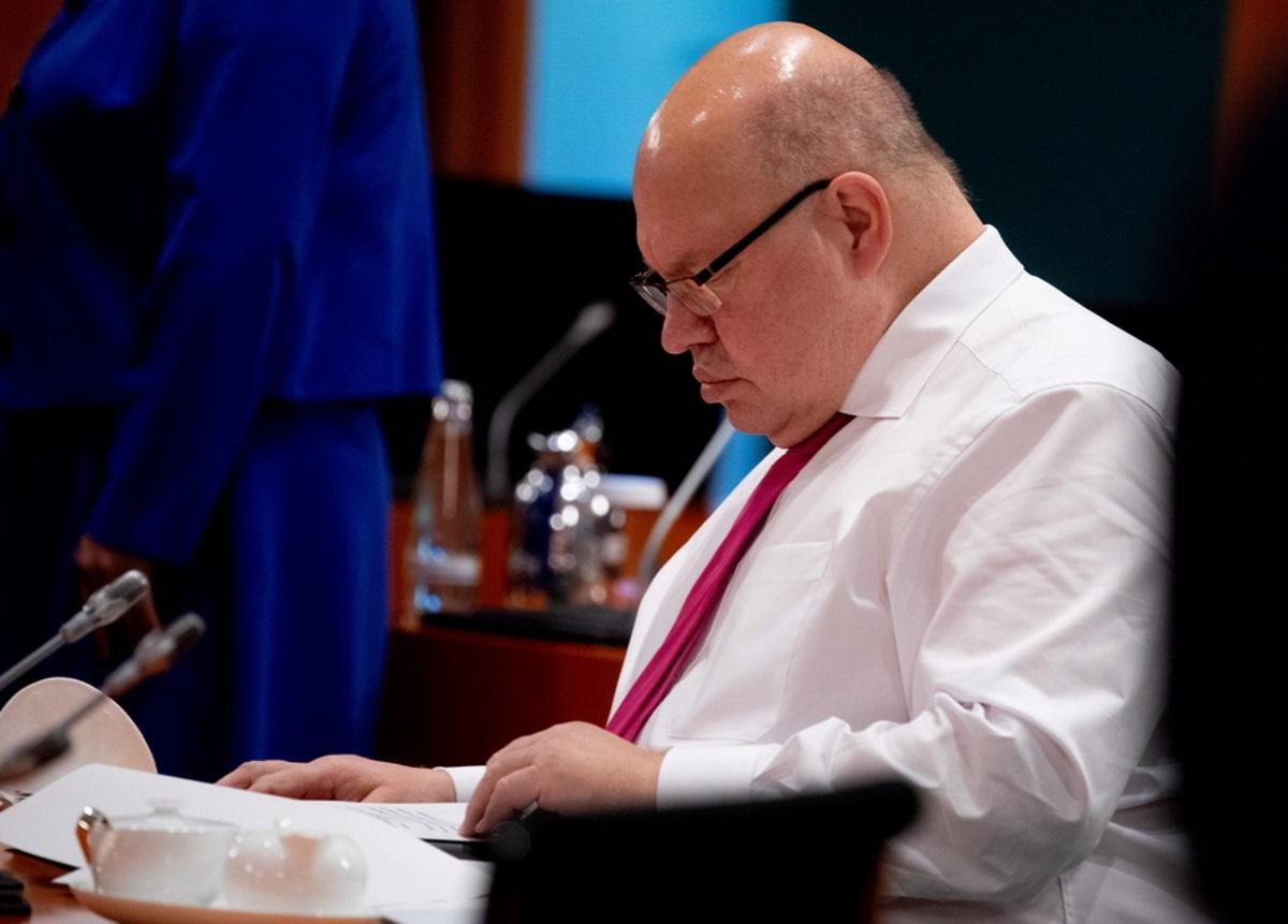 Γερμανία: Εσπευσμένα στο νοσοκομείο ο υπουργός Οικονομίας – «Δυσκολευόταν να μιλήσει»