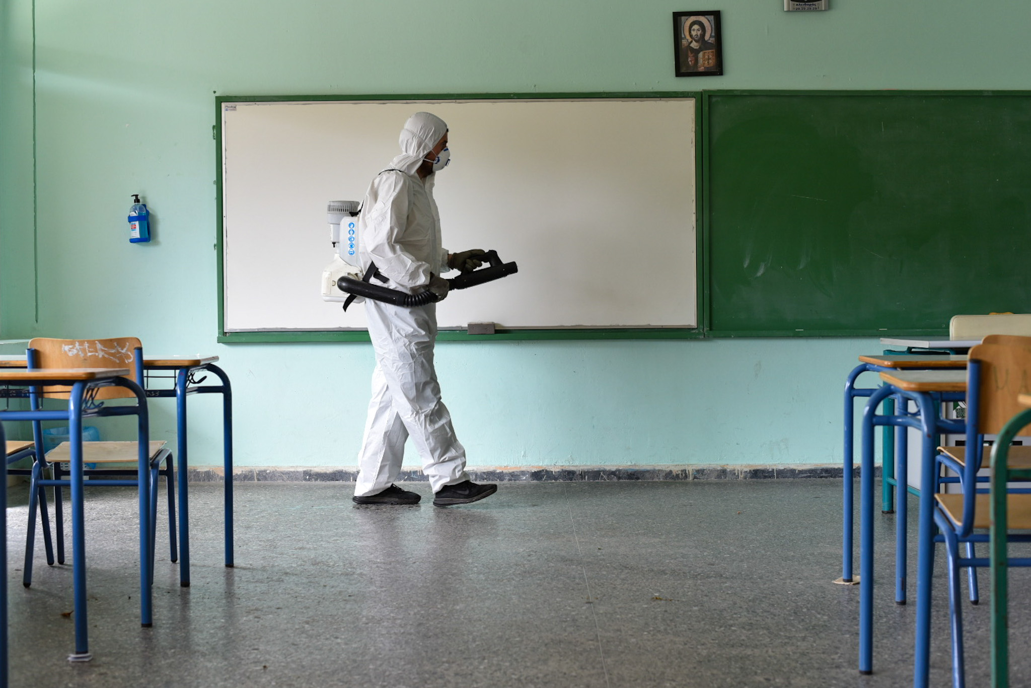 Σχολεία – Δήμος Αθηναίων: Σαρωτική καθαριότητα και απολύμανση πριν το πρώτο κουδούνι – Δείτε φωτογραφίες