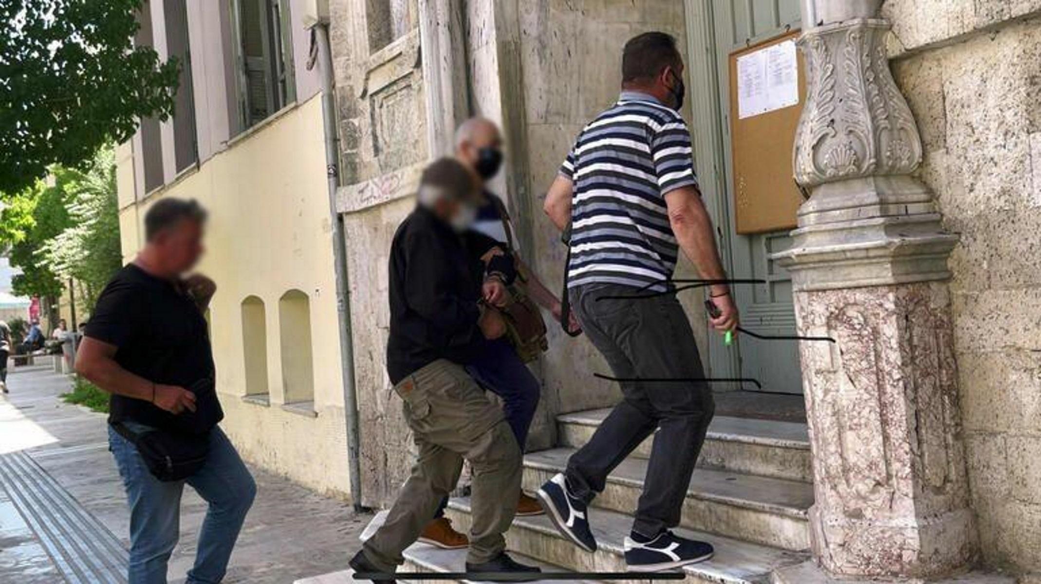 Ηράκλειο: Στη φυλακή ο 72χρονος για ασέλγεια στην 6χρονη – Ξέσπασαν σε κλάματα οι δικοί του