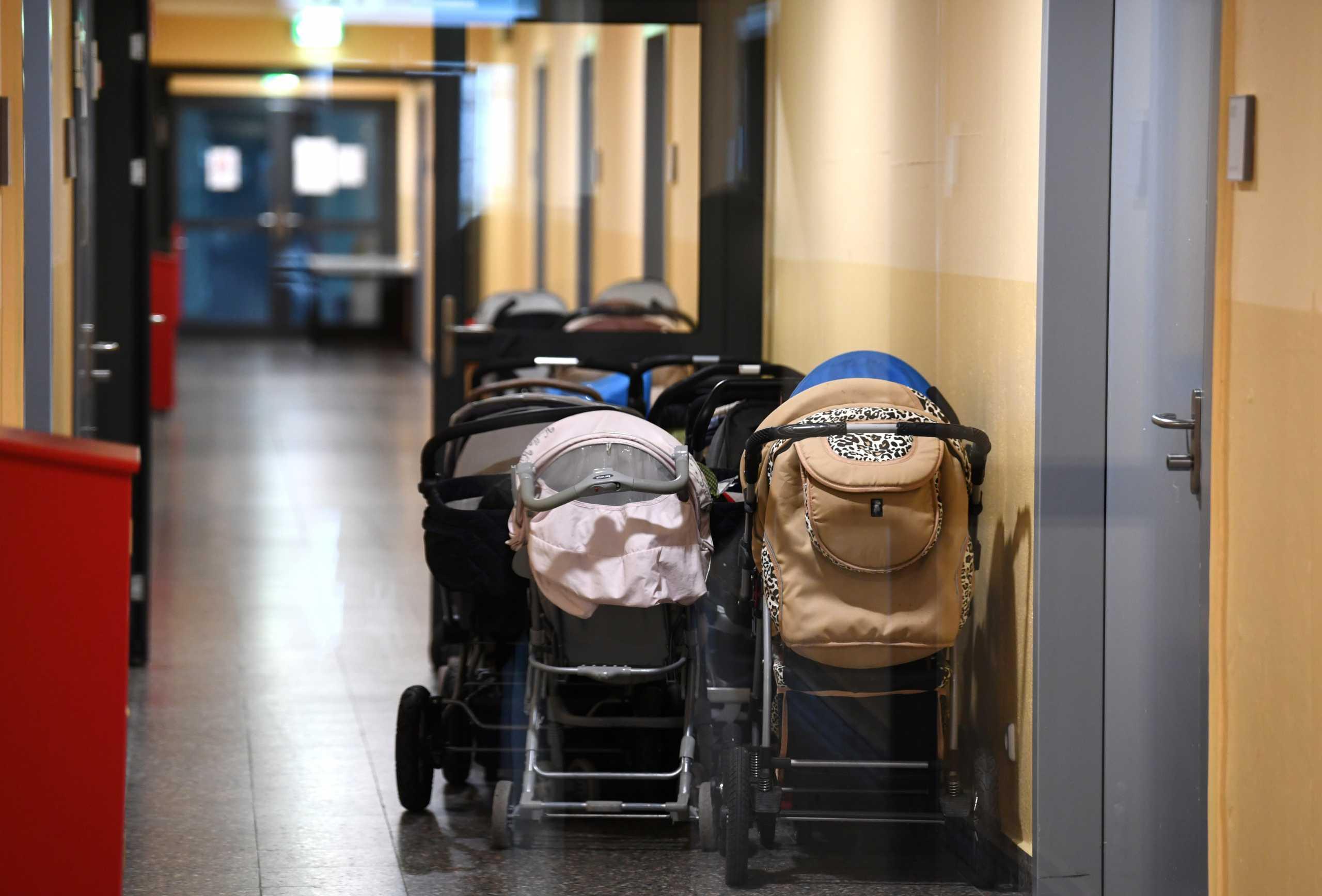 Ισπανία: 19χρονη ζητά 3 εκατ. ευρώ από το υπουργείο Υγείας επειδή την έδωσαν σε λάθος οικογένεια όταν γεννήθηκε