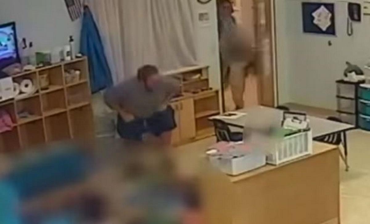 Οχάιο ΗΠΑ: Δάσκαλος σπρώχνει βίαια 4χρονο κοριτσάκι και αυτό πέφτει κάτω – «Φύγε από εδώ!»
