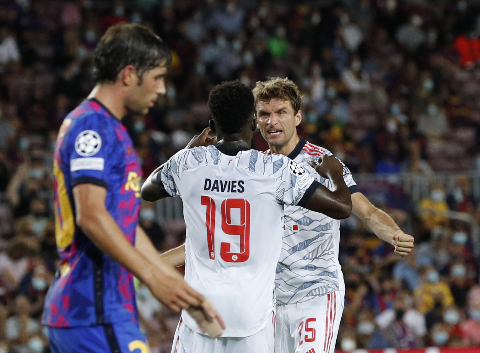Champions League, Μπαρτσελόνα – Μπάγερν Μονάχου 0-3: Βαυαρικό πάρτι στη Βαρκελώνη