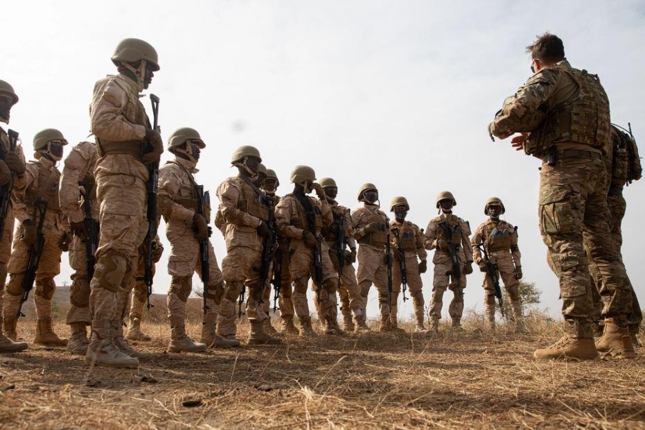 «Μήνυμα» Παρλί στο DAESH: «Η Γαλλία δεν αποχωρεί από το Μάλι – Η μάχη συνεχίζεται»