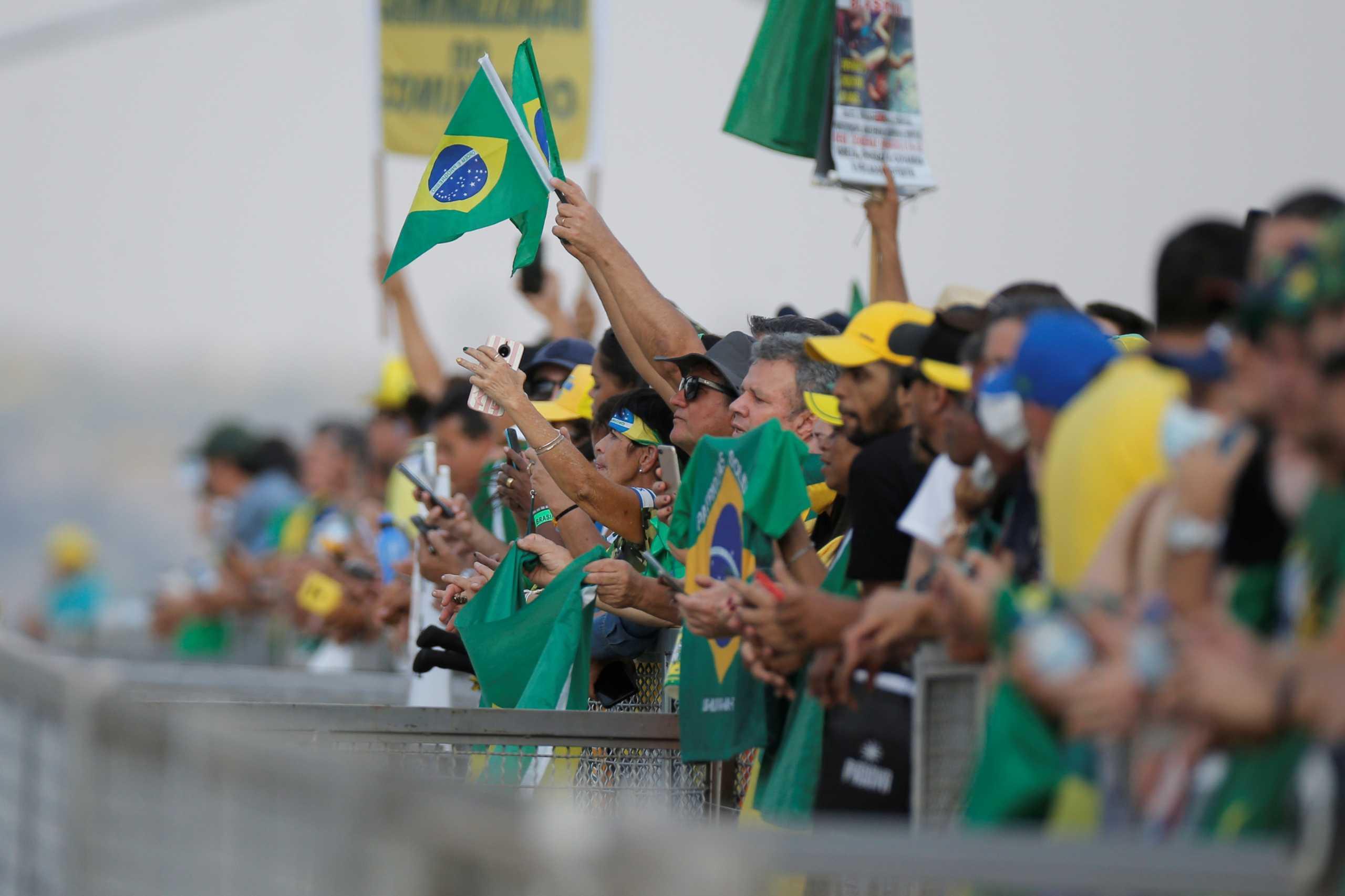 Βραζιλία: Οπαδοί του Μπολσονάρο έσπειραν το χάος στην Μπραζίλια – Φόβοι για πραξικόπημα