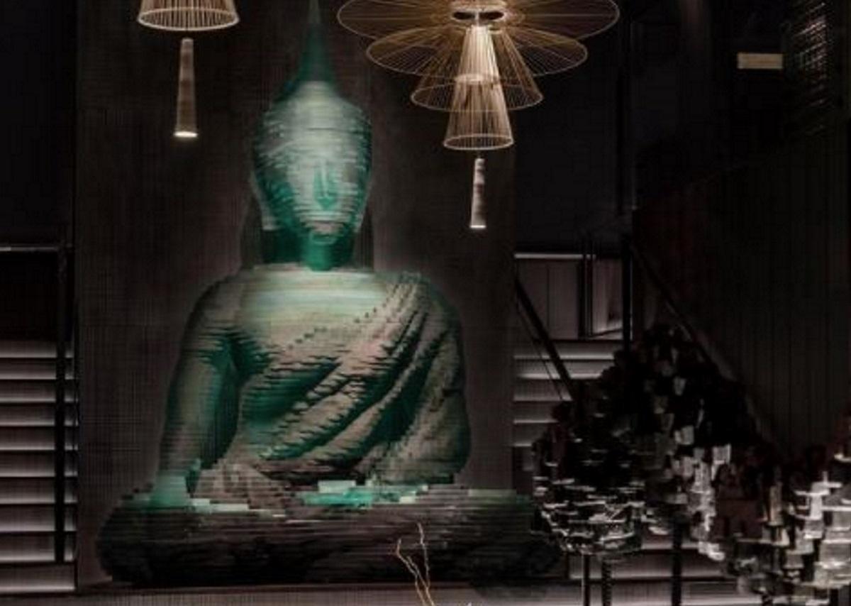 Ένας γυάλινος Βούδας 4,5 μέτρων στην καρδιά της Νέας Υόρκης