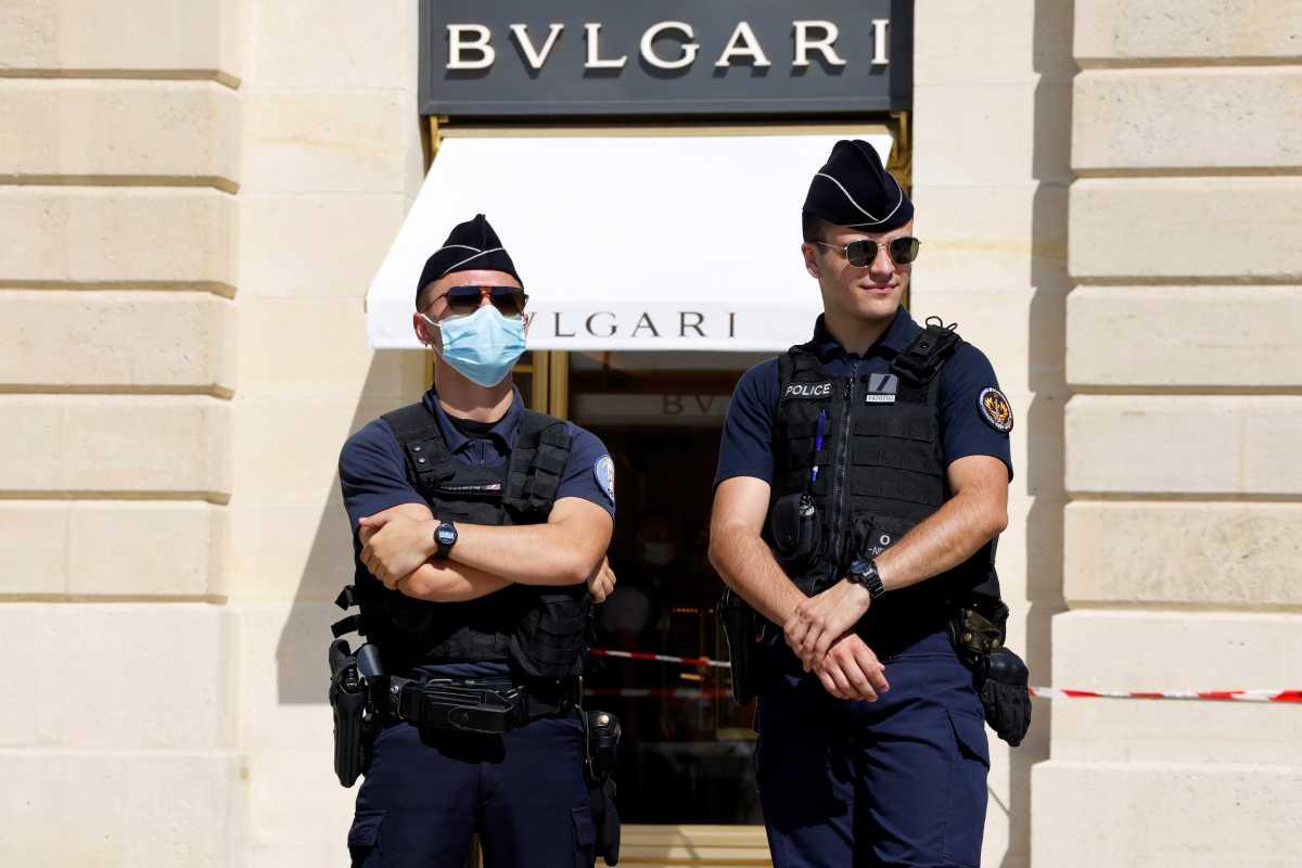 Κοστουμαρισμένοι ληστές «χτύπησαν» κοσμηματοπωλείο Bvlgari στο Παρίσι