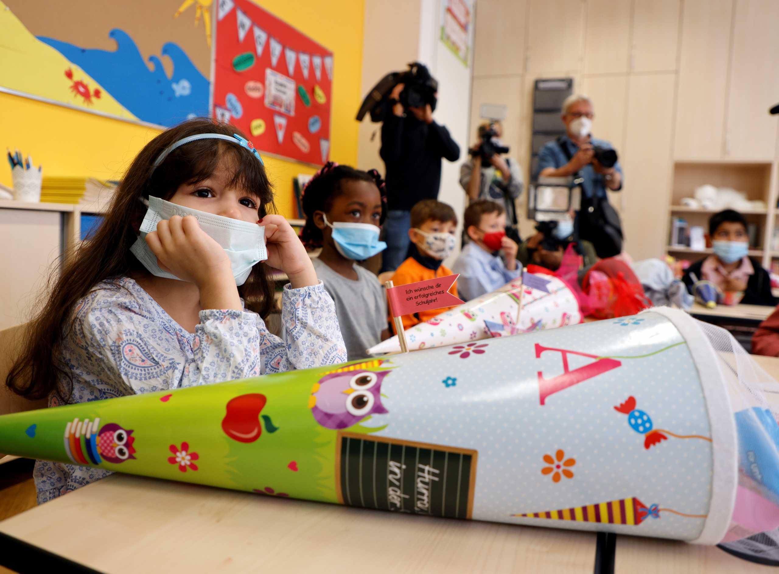 Γαλλία – κορονοϊός: Τέλος η υποχρεωτική χρήση μάσκας στα δημοτικά σχολεία σε περιοχές με λίγα κρούσματα
