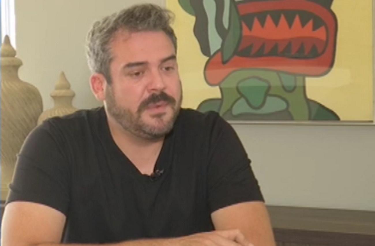 """Πυγμαλίων Δαδακαρίδης: """"Με στενοχωρεί η υποκρισία των ανθρώπων ότι αυτά συμβαίνουν μόνο στο θέατρο"""""""