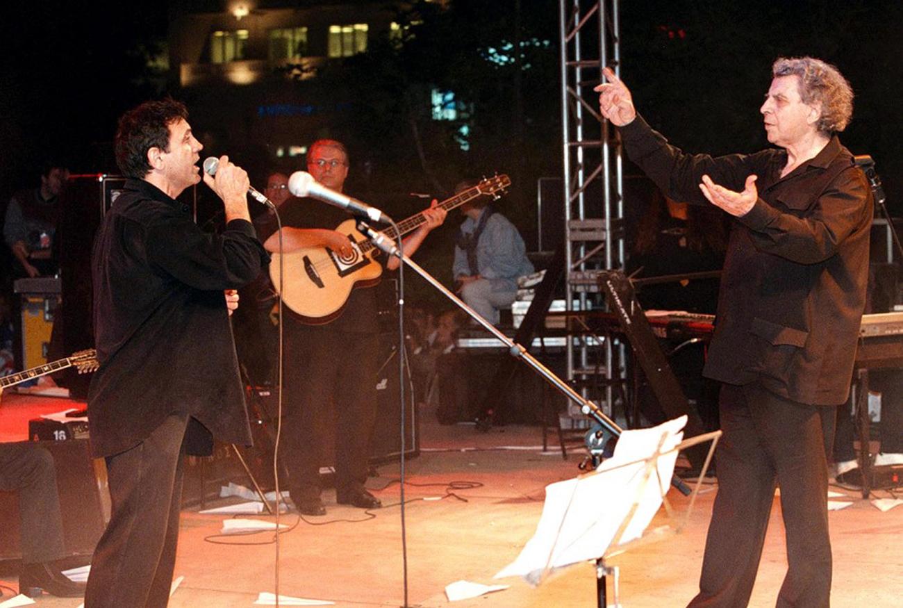 Μίκης Θεοδωράκης: Ο Γιώργος Νταλάρας ζήτησε «για λίγο ΣΙΓΗ»