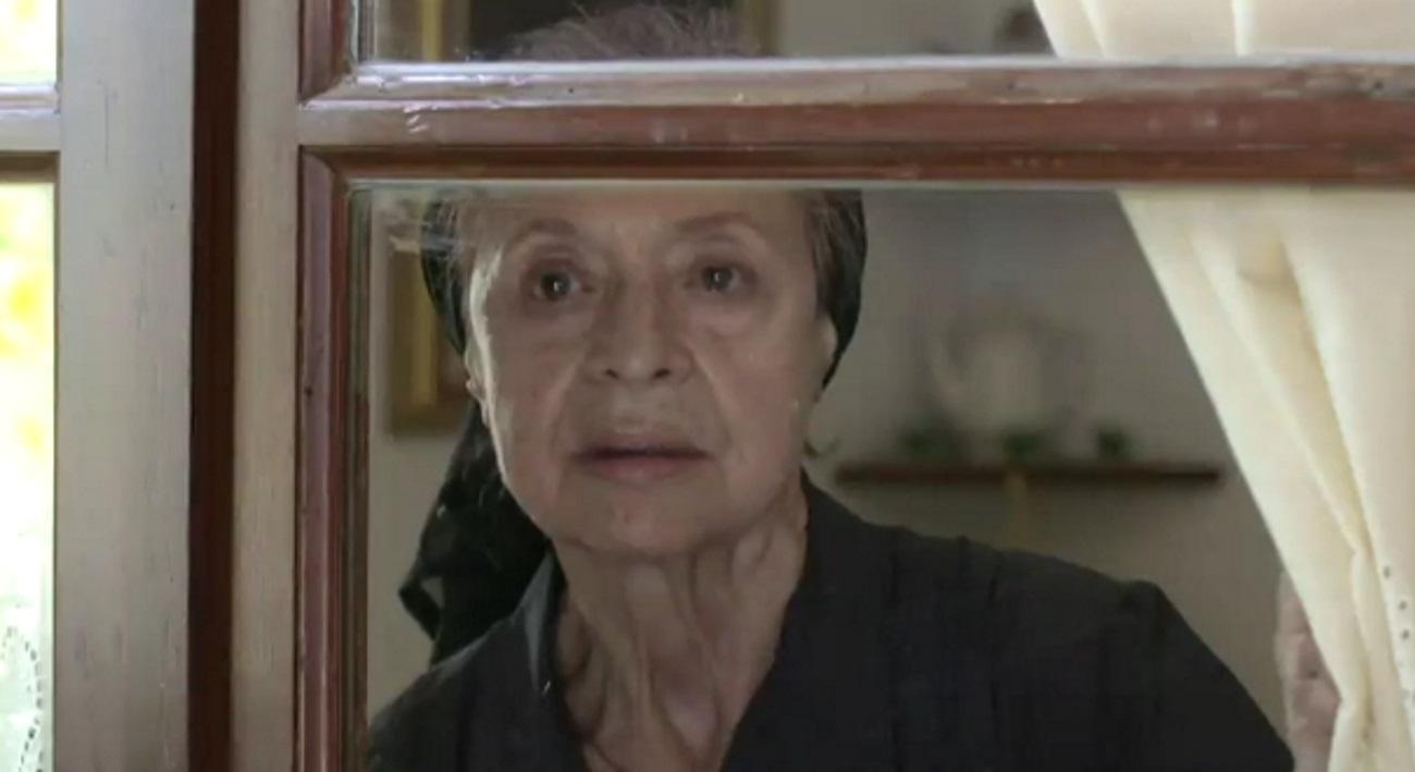 Σασμός – Όλγα Δαμάνη: «Η γιαγιά Ειρήνη κρύβει μυστικά κι ενοχές»