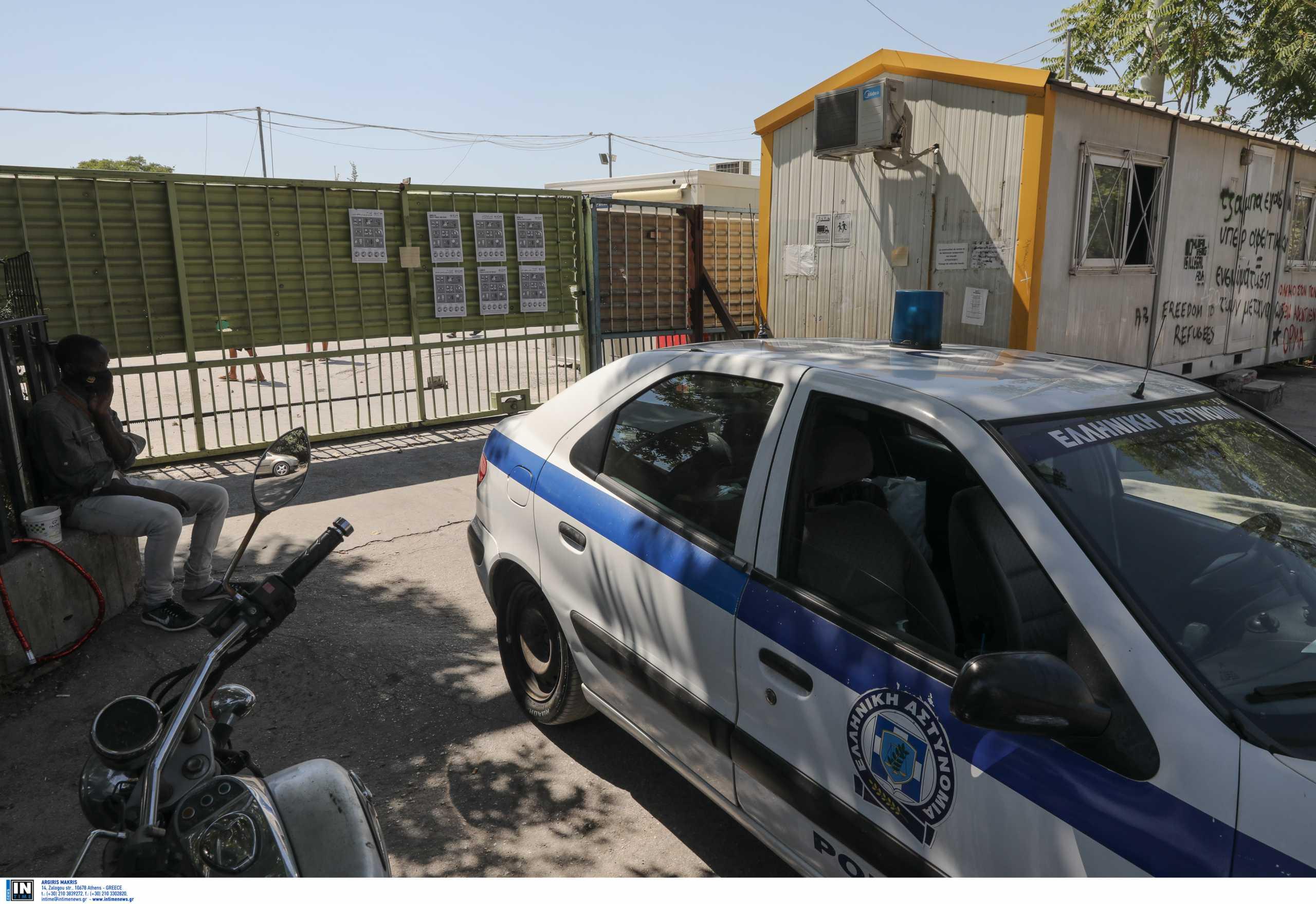 Σάμος: Εγκαινιάστηκε η νέα κλειστή δομή φιλοξενίας – «Αυστηρή αλλά δίκαιη η μεταναστευτική πολιτική»