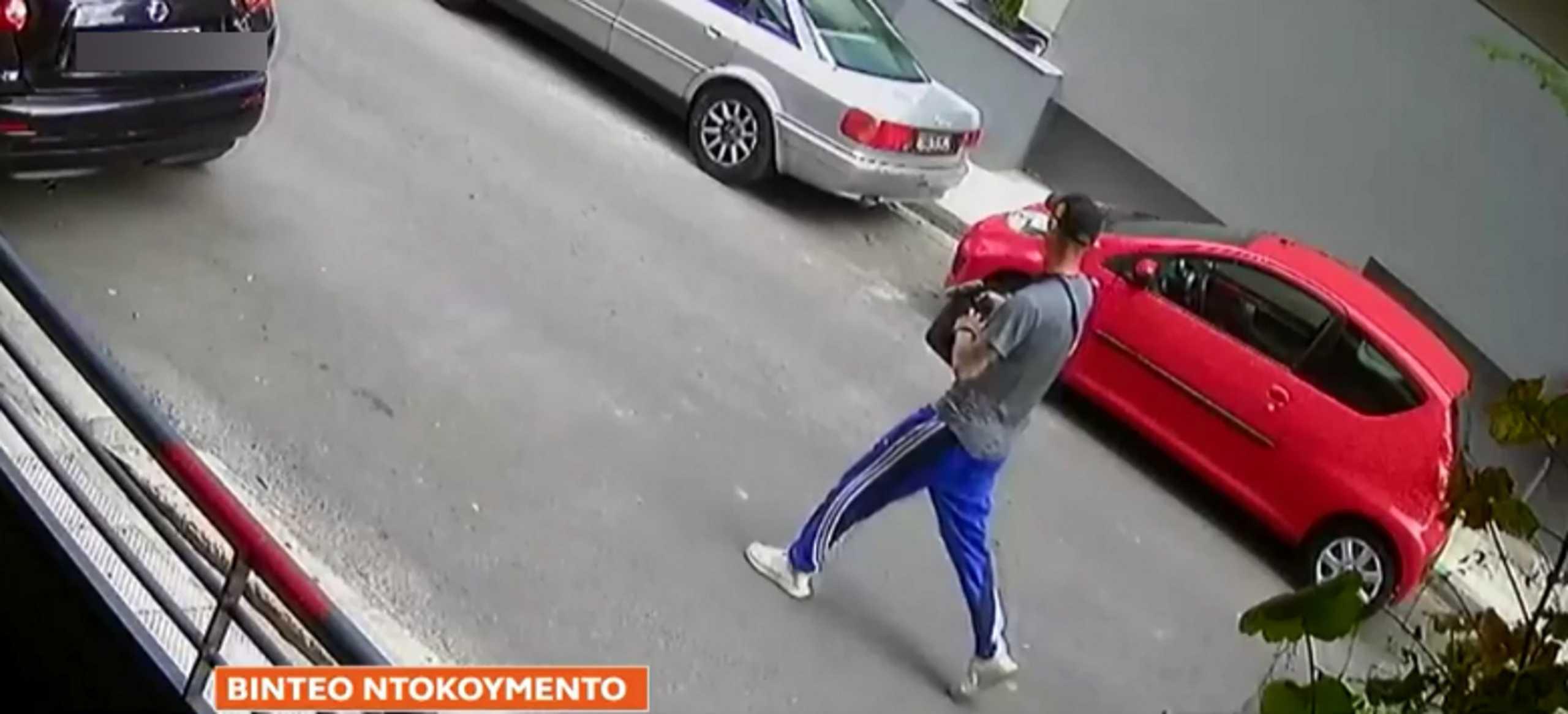 Βίντεο ντοκουμέντο: Ο δράστης της επίθεσης με πυροβολισμούς στη Λεωφόρο Αλεξάνδρας