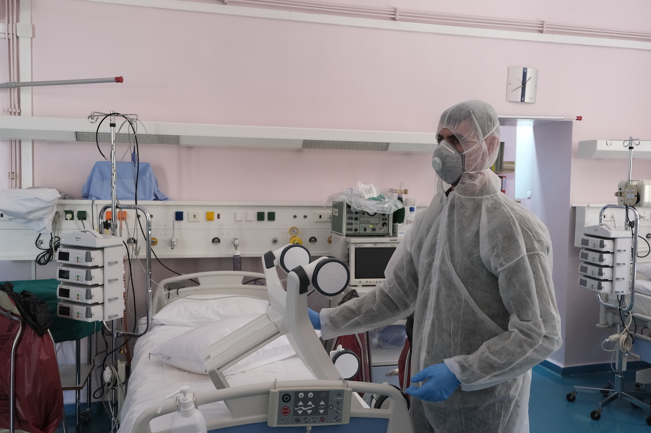 Κορονοϊός: Το στέλεχος Δέλτα διπλασιάζει τον κίνδυνο νοσηλείας για τους ανεμβολίαστους