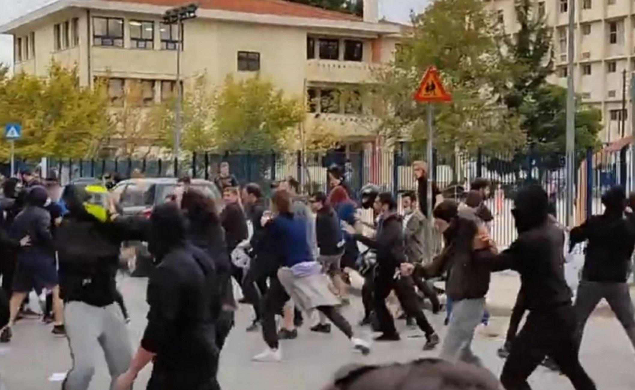 Θεσσαλονίκη: Βίντεο ντοκουμέντα και μαρτυρίες για τα άγρια επεισόδια με  καδρόνια στο ΕΠΑΛ Σταυρούπολης