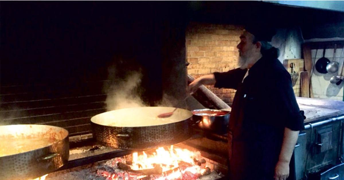 Η αυθεντική συνταγή του του Μοναχού Επιφάνιου για τέλειο πιλάφι με θαλασσινά