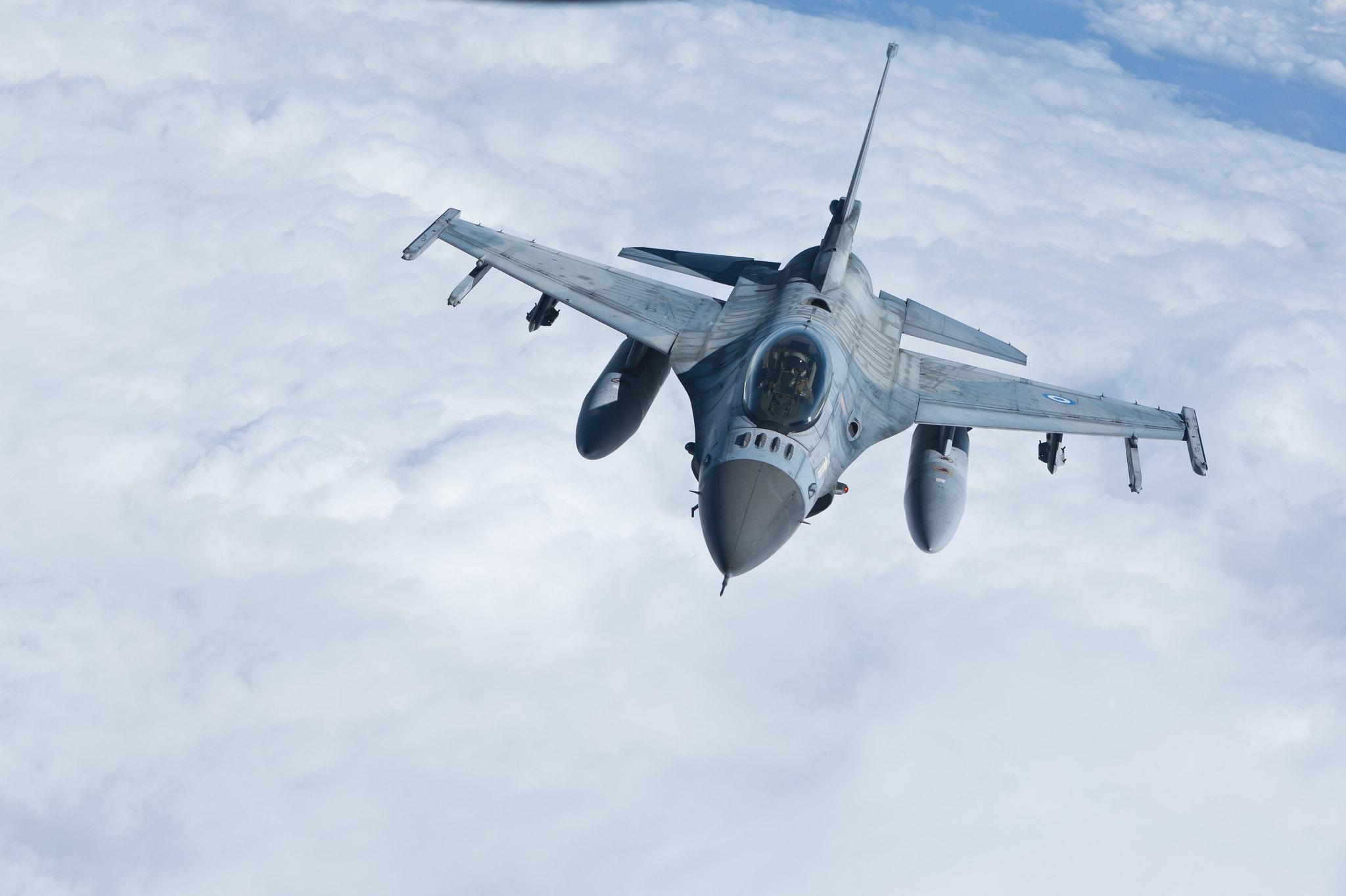 Φρεγάτες, Apache και F-16: Η «βαριά ατζέντα» της αυριανής Επιτροπής Εξοπλιστικών!