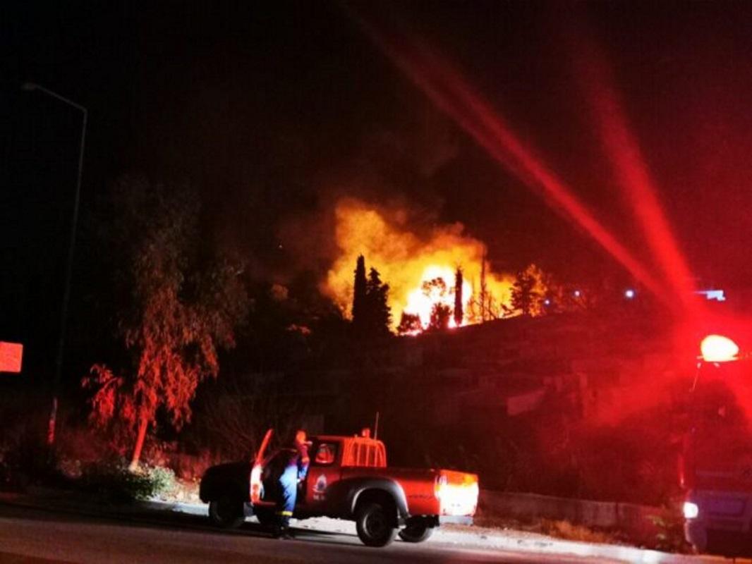 Σάμος: Φωτιά στη δομή προσφύγων στο Βαθύ