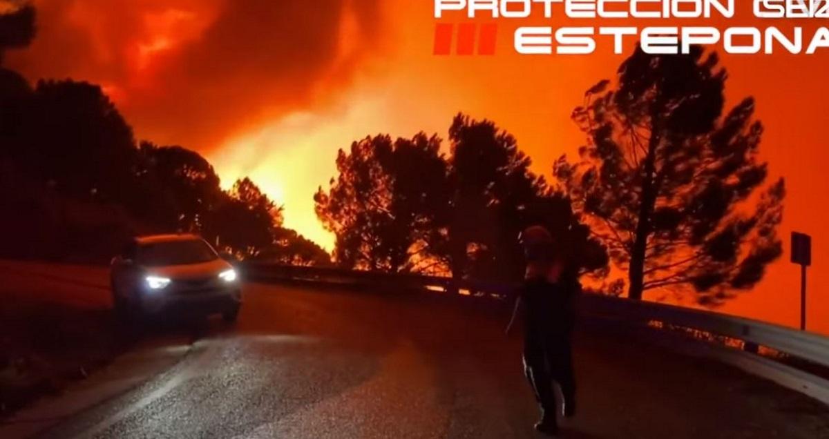 Ισπανία: Πύρινη κόλαση κοντά στη Μάλαγα – Πεντακόσιοι άνθρωποι εγκατέλειψαν τα σπίτια τους