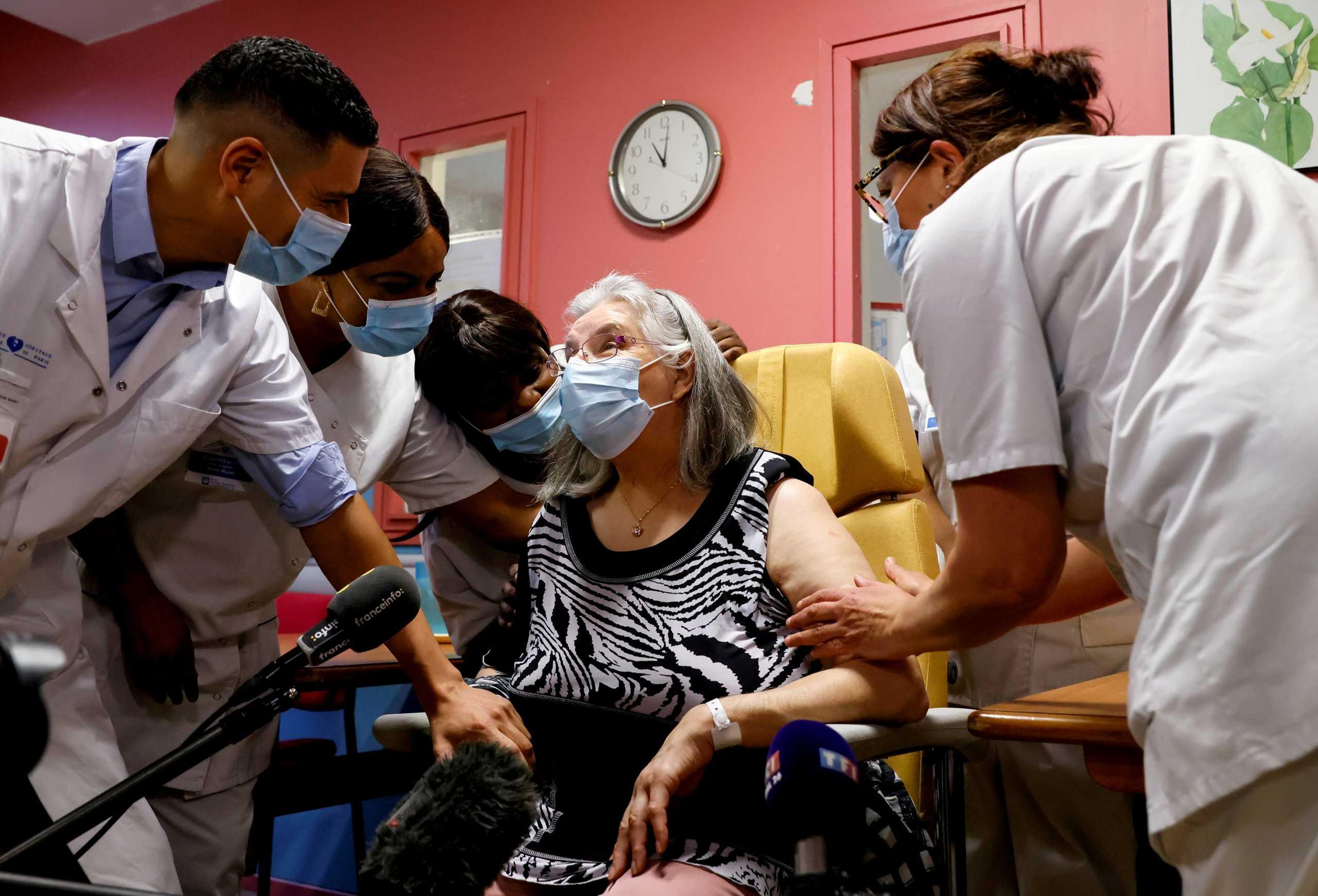 Γαλλία – κορονοϊός: Ξεκίνησε η τρίτη δόση σε ηλικιωμένους και ευπαθείς ομάδες