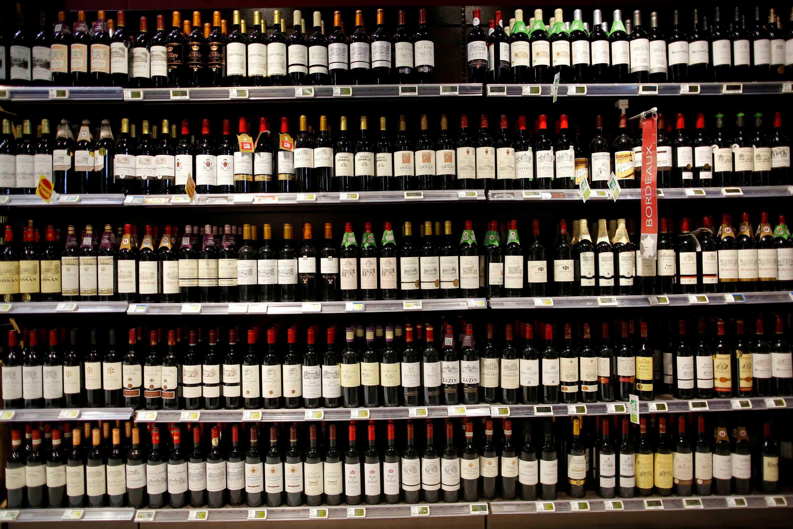 Γαλλία: Σε ιστορικό χαμηλό η παραγωγή κρασιού φέτος- Αναμένεται μείωση 29%