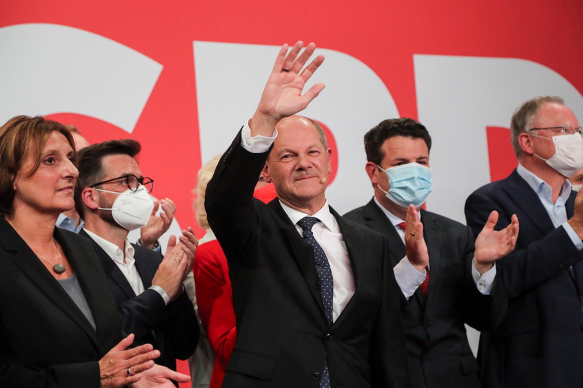 Γερμανικές εκλογές: Ο Όλαφ Σολτς κερδίζει την κούρσα διαδοχής της Μέρκελ
