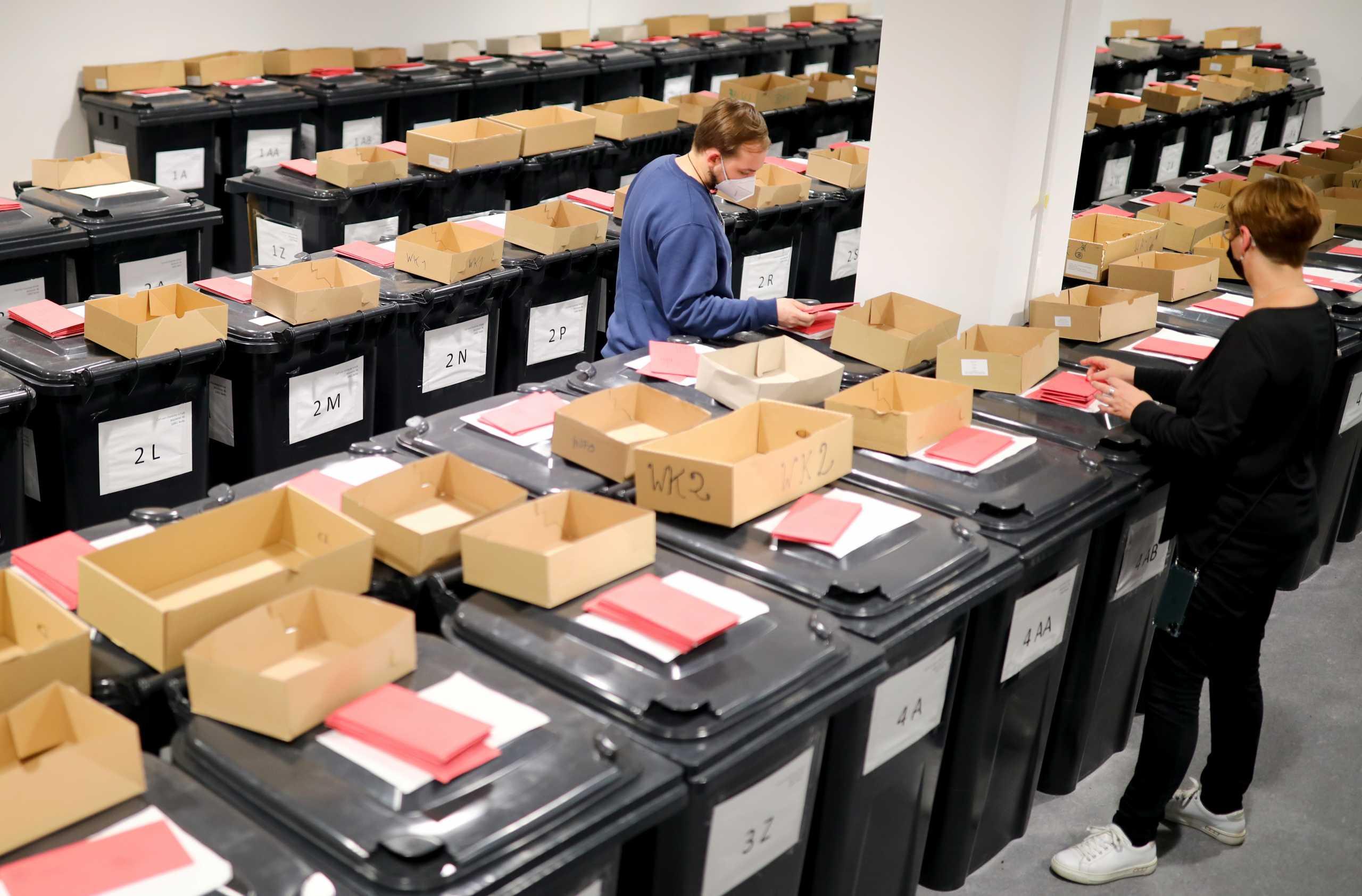 Γερμανία – Εκλογές: Ντέρμπι λίγο πριν τις κάλπες – Οι αναποφάσιστοι θα κρίνουν το αποτέλεσμα