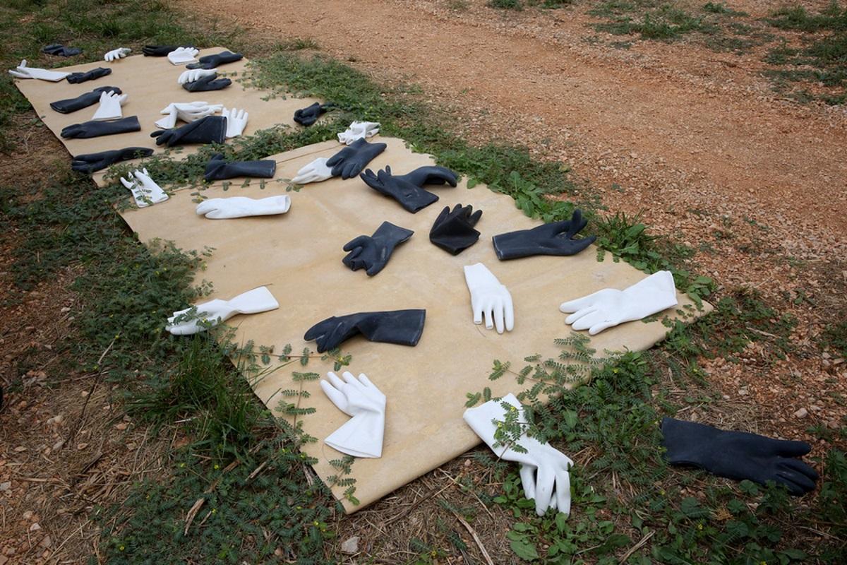 Νέα «ανασκαφικά» ευρήματα στο Παλαιό Ελαιουργείο της Ελευσίνας – Μια ιδιαίτερη έκθεση γλυπτών του Ανδρέα Λόλη