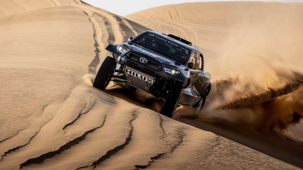 Έτοιμο το νέο «θηρίο» της Toyota για το Rally Dakar (pics)