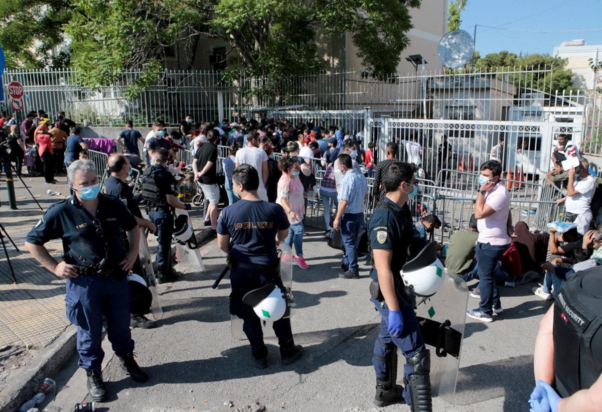 Τηλεφώνημα για βόμβα στην Υπηρεσία Ασύλου στην Κατεχάκη