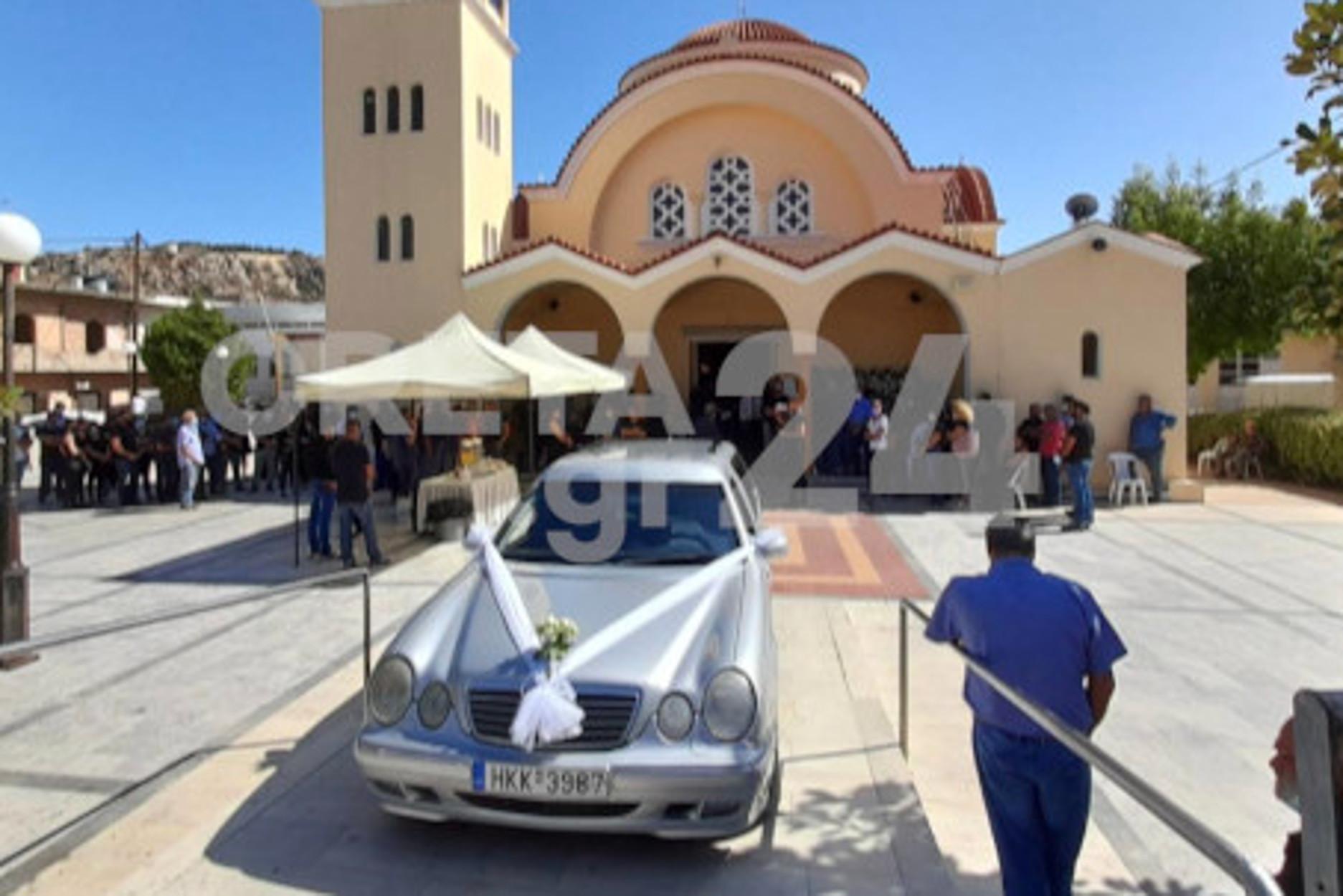 Ηράκλειο: Ράγισαν καρδιές στην κηδεία του 17χρονου Ματθαίου – Στην Αλβανία θα ταφεί ο Έρντι