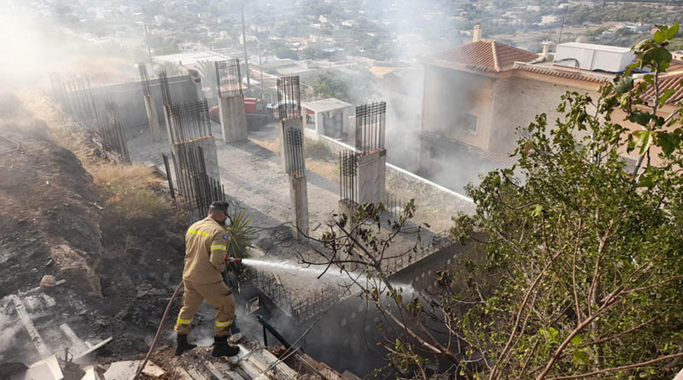 Καλύβια: Επτά οι τραυματίες από την έκρηξη σε σπίτι – Οι δύο σε σοβαρή κατάσταση