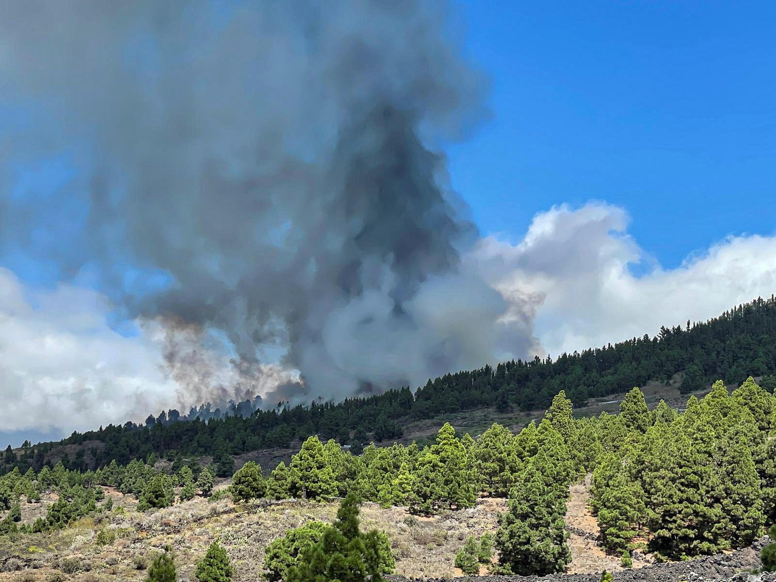 Ισπανία: Έκρηξη ηφαιστείου στο νησί Λα Πάλμα – Απομακρύνθηκαν κάτοικοι
