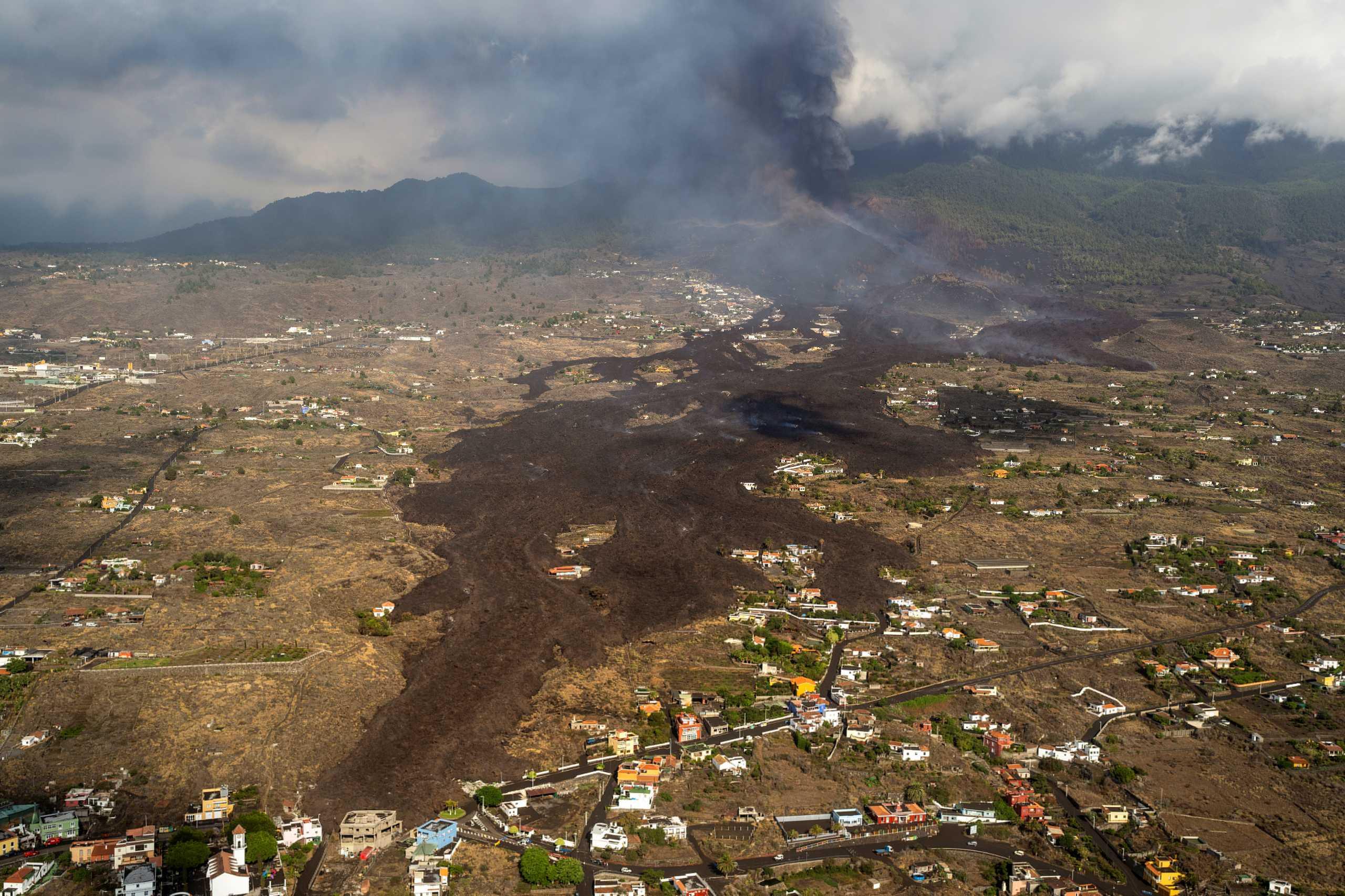 Ισπανία - Έκρηξη ηφαιστείου: Νέες εκκενώσεις και ακυρώσεις πτήσεων στη Λα Πάλμα