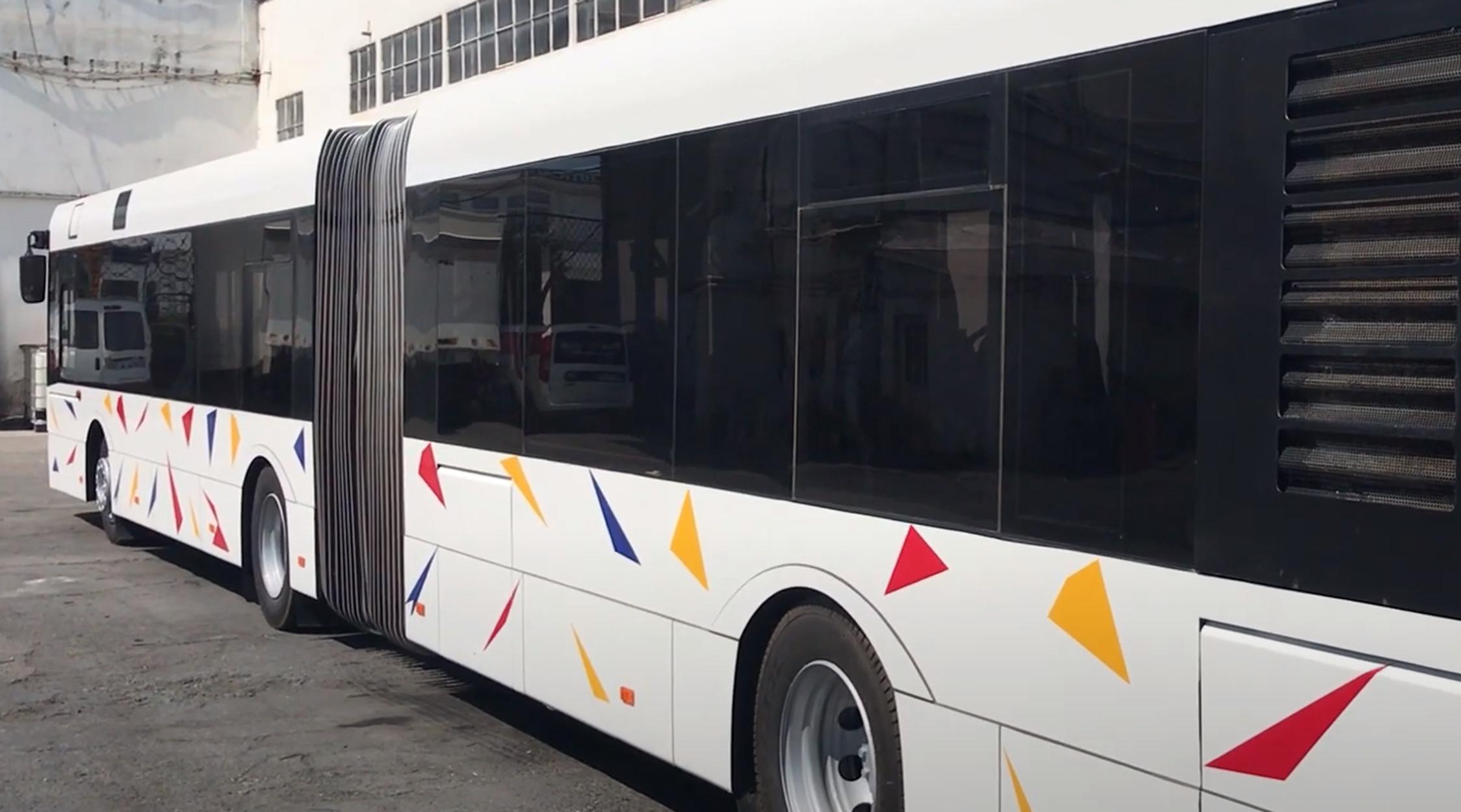 Αυτά είναι τα 80 νέα λεωφορεία του ΟΑΣΘ – Ξενάγηση μέσα και έξω