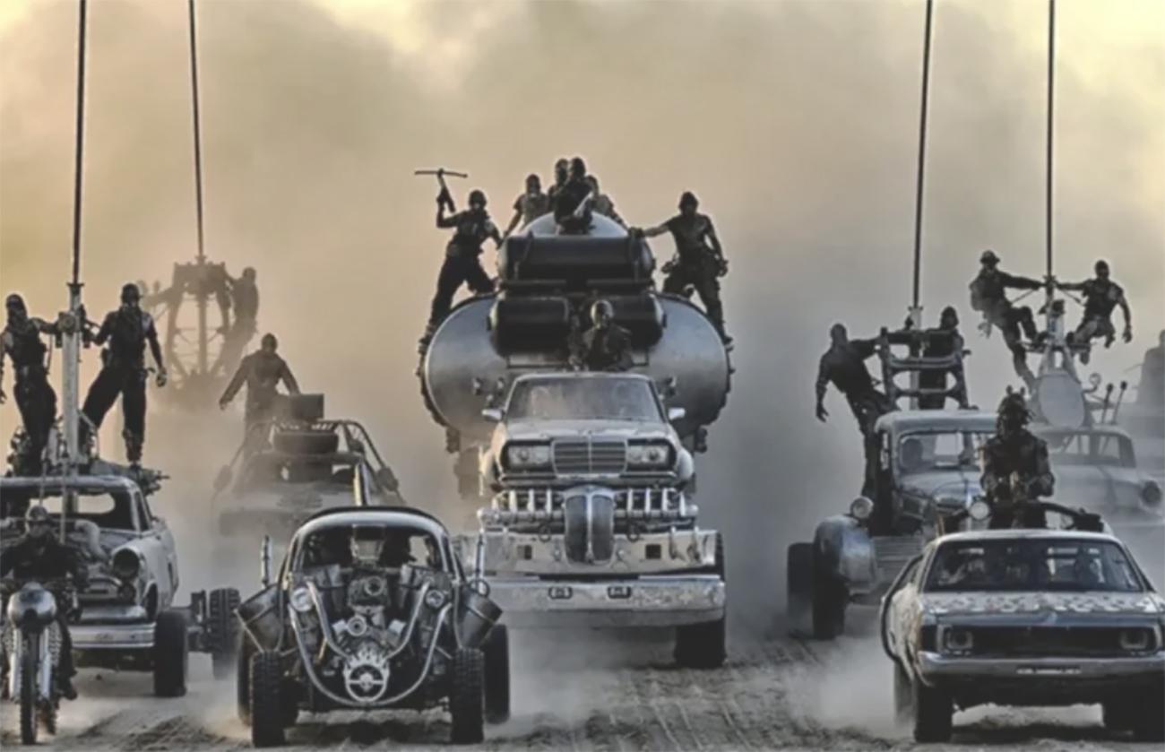 """Προς πώληση τα """"τρελά"""" αυτοκίνητα από την ταινία 'Mad Max: Fury Road'"""