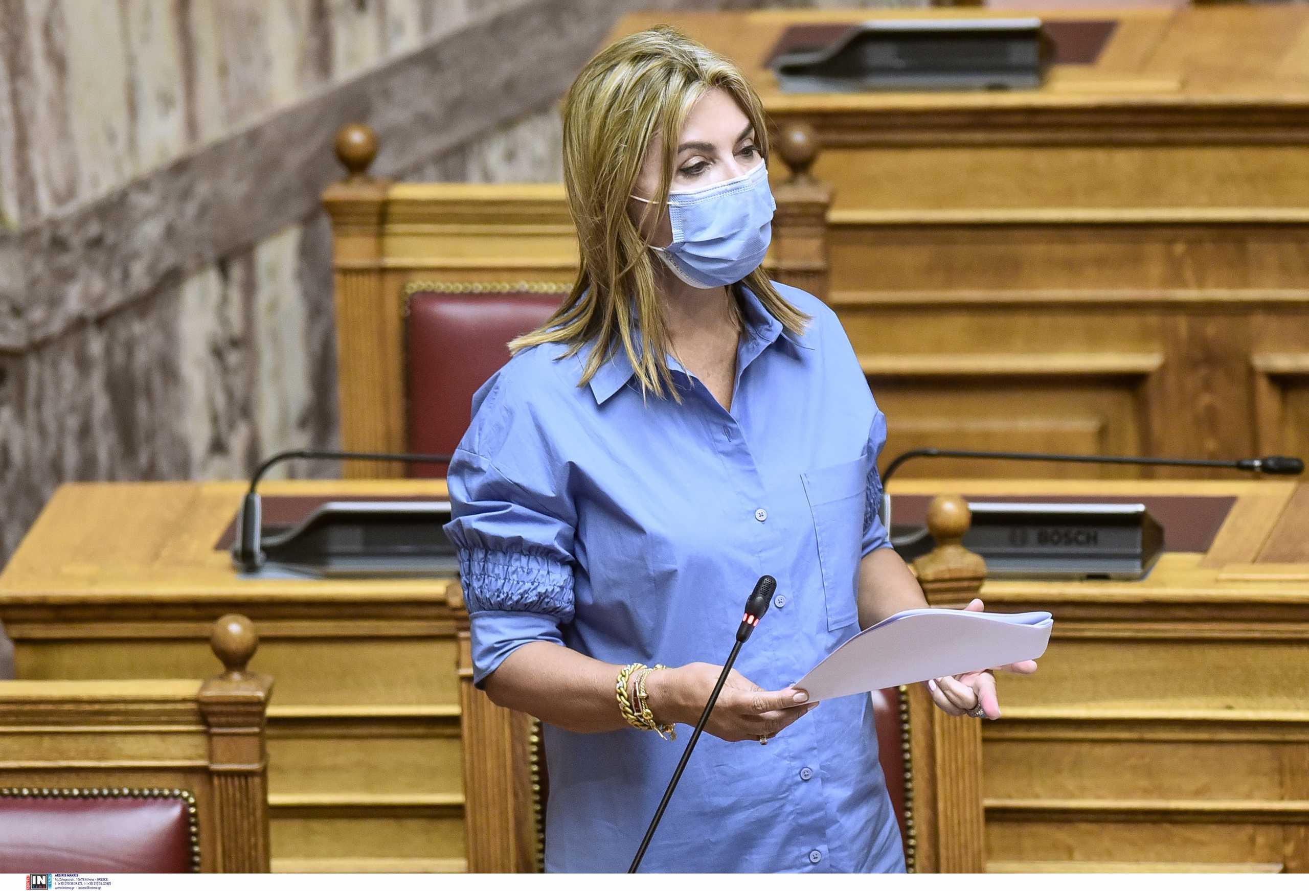Ζέττα Μακρή για τα πρώτα λουκέτα στα σχολεία: Δεν έχει επιβαρυνθεί η δημόσια υγεία