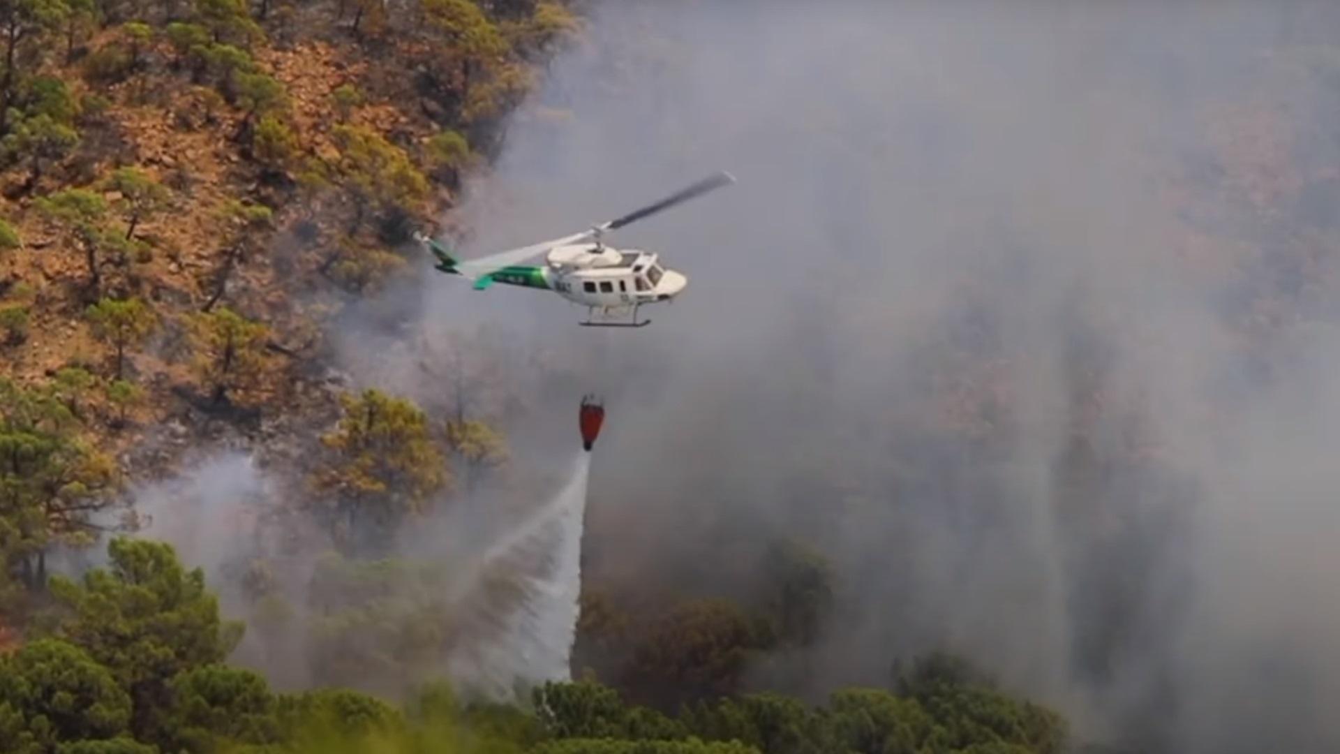 Ισπανία: Η βροχή «σβήνει» τη φωτιά που καίει επί έξι μέρες κοντά στη Μάλαγα