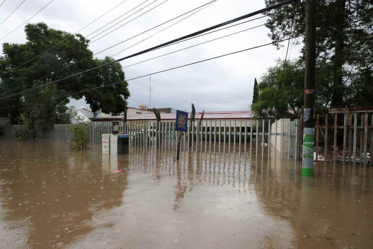 Τραγωδία χωρίς τέλος στο Μεξικό: 19 νεκροί από τις πλημμύρες – Πέθαναν ασθενείς διασωληνωμένοι λόγω Covid