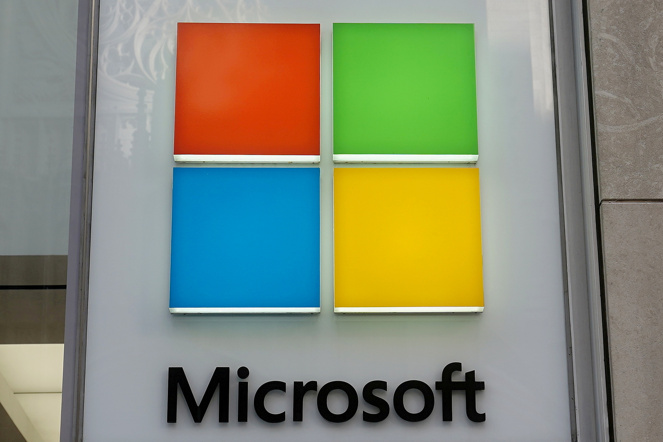 Microsoft: Η σχέση της με το ελληνικό στοιχείο και ο ρόλος του νέου Έλληνα μάνατζερ Κ. Λουκά